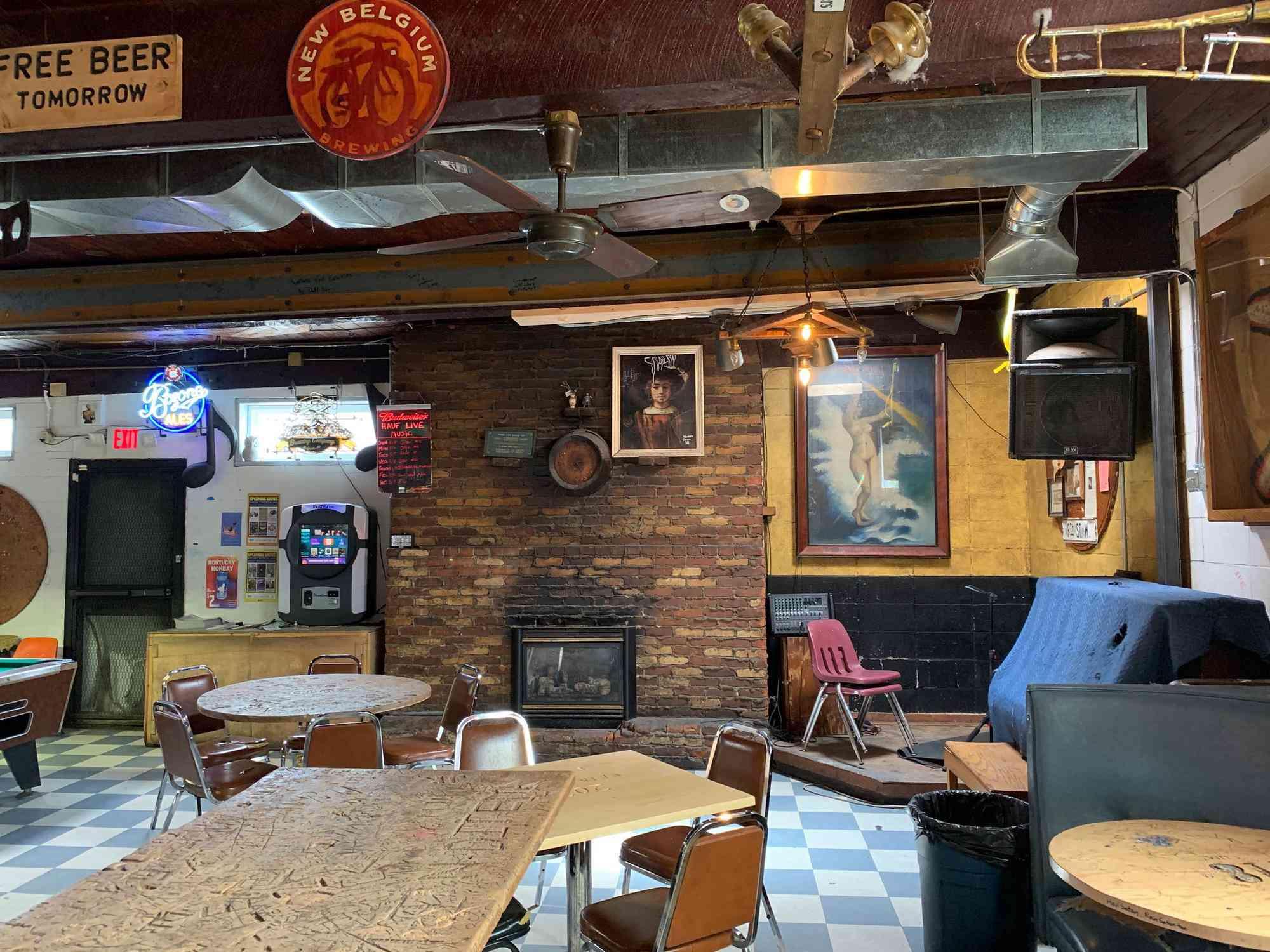 Montana Dive Bar