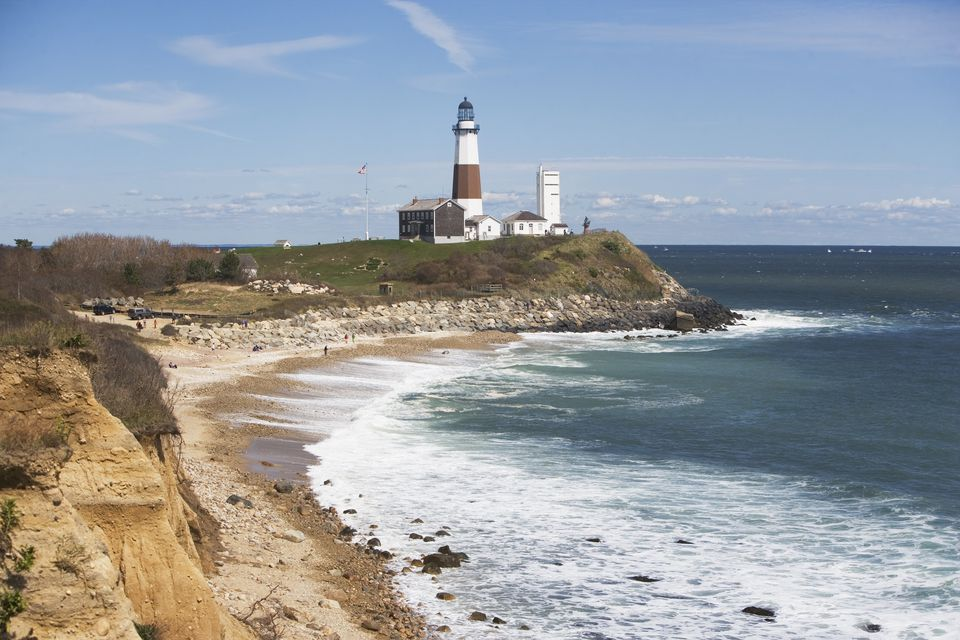 USA, New York, Long Island, Montaurk, Coastline with lighthouse