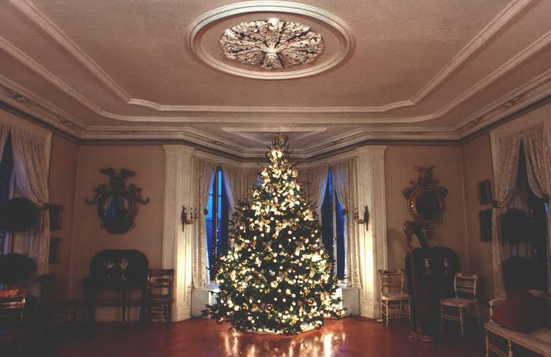 twas the night before christmas at locust grove - Mansion Christmas Decorations