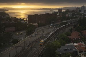 Train coming to North Sydney in the morning