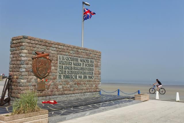 The Memorial to the Allies on the beach in Dunkirk
