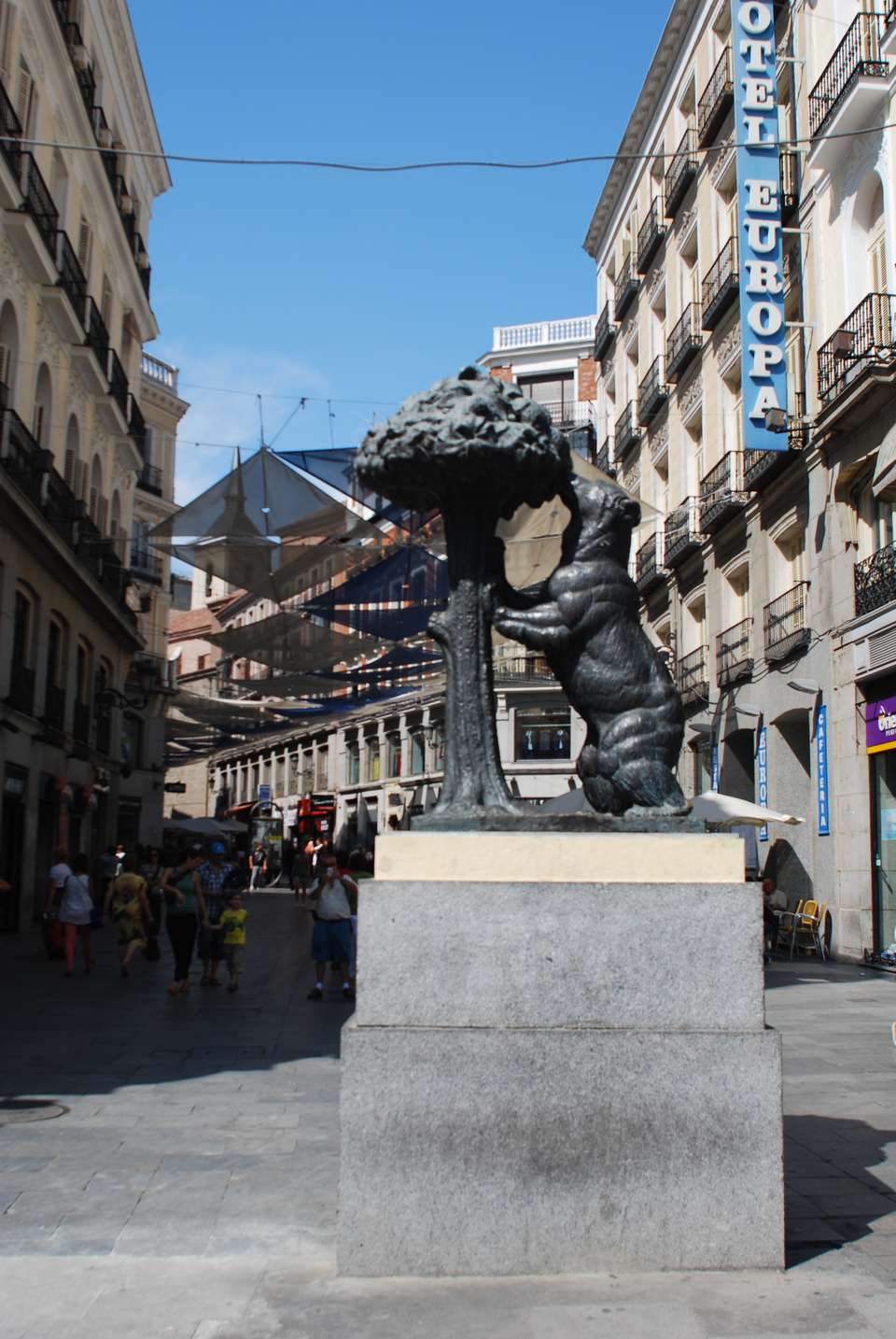 10 Best Plazas and Streets in Madrid