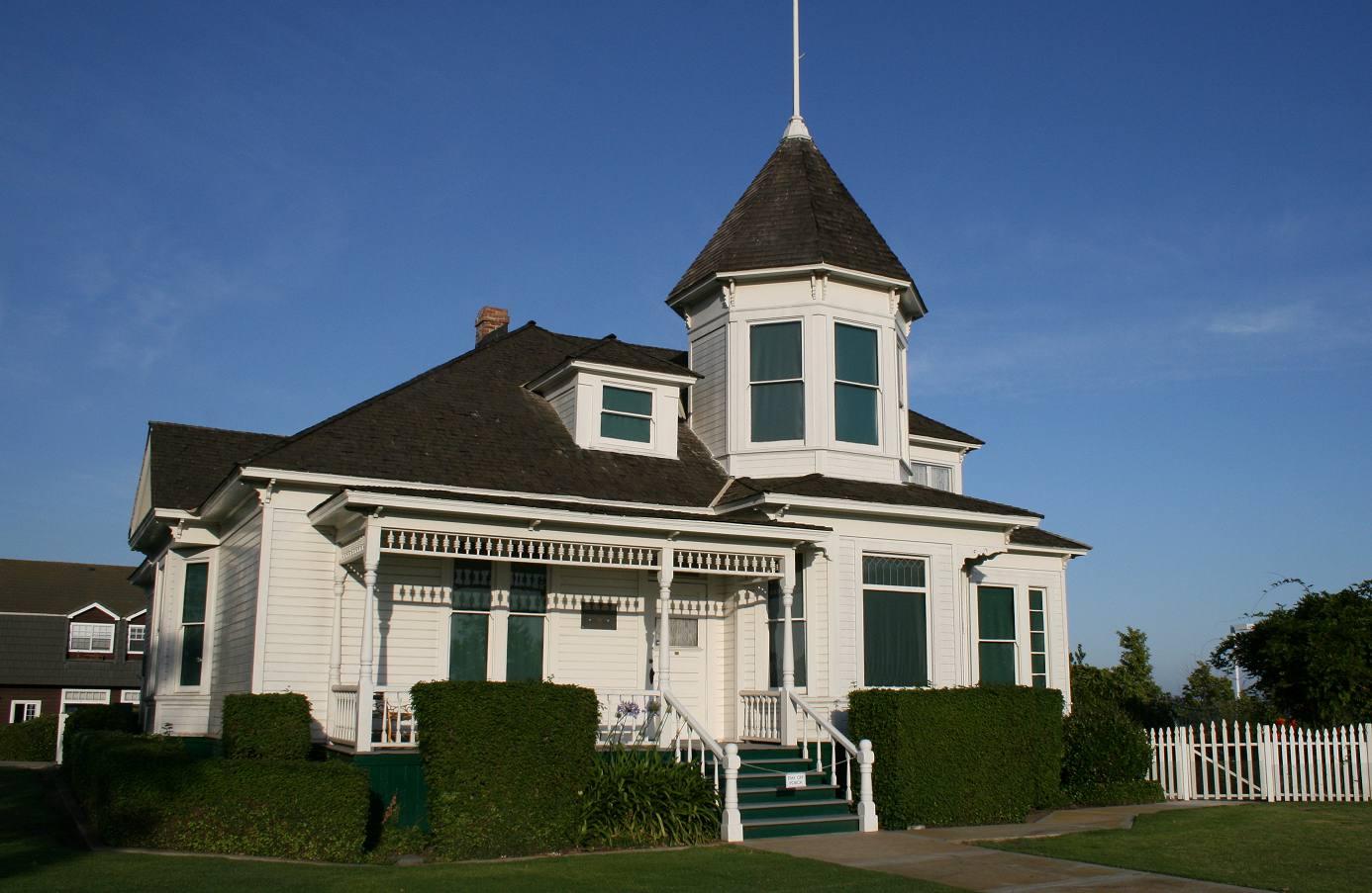 Newland House in Huntington Beach