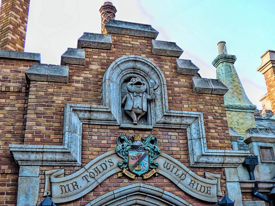 mr toads wild ride entrance disneyland