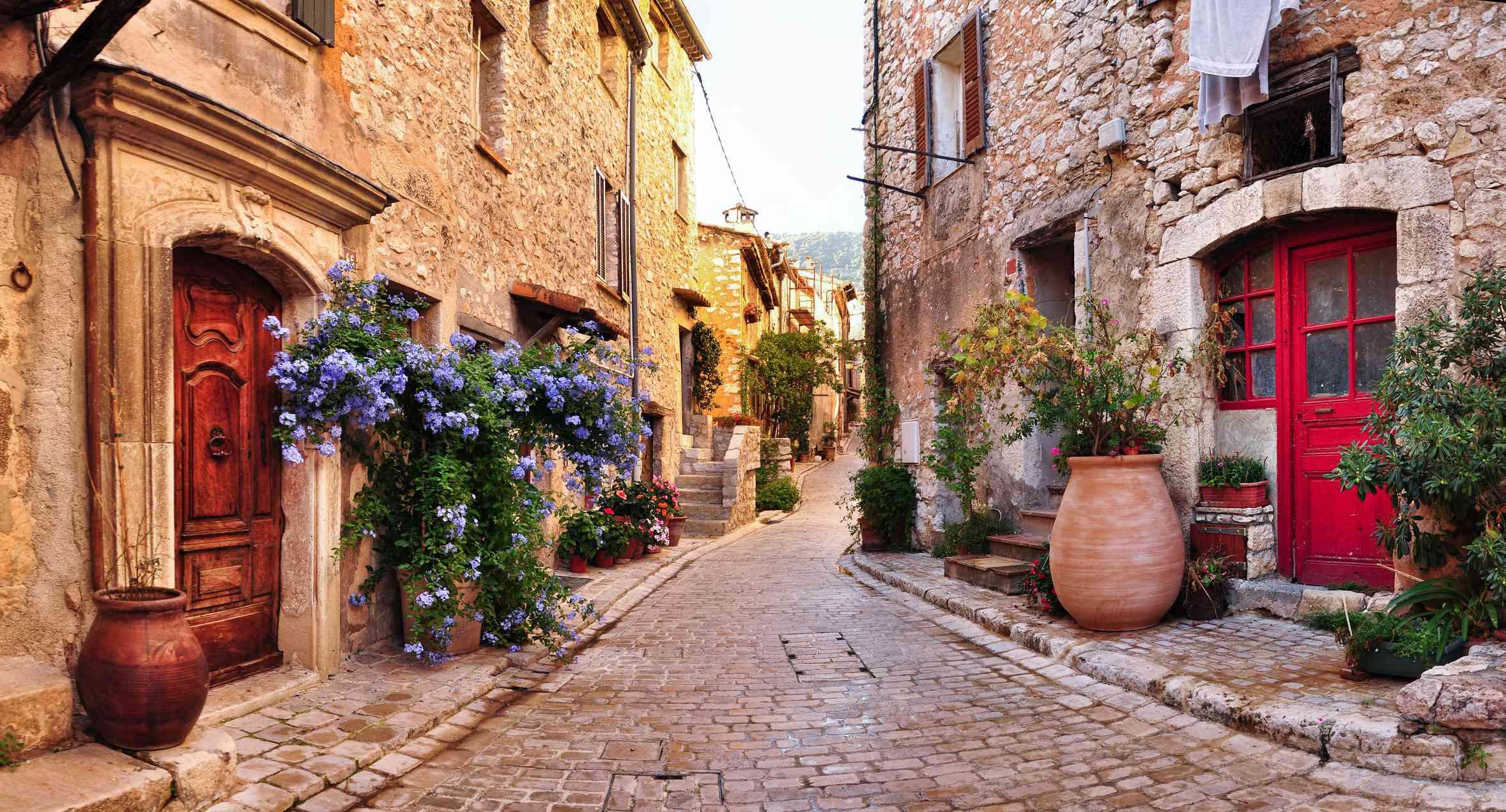 Quiet street in Antibes, France