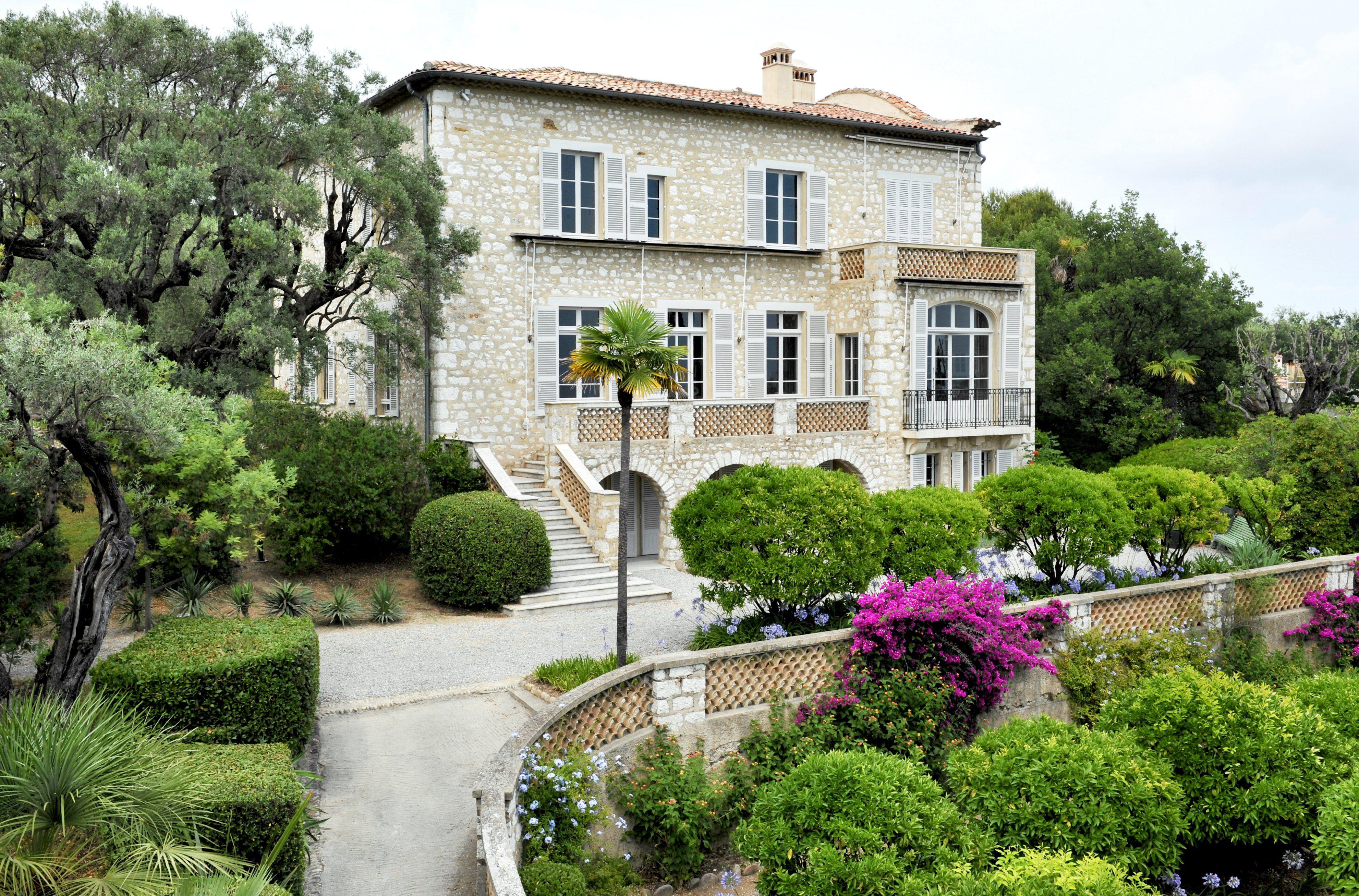 renoir 39 s house in cagnes sur mer on the cote d 39 azur. Black Bedroom Furniture Sets. Home Design Ideas