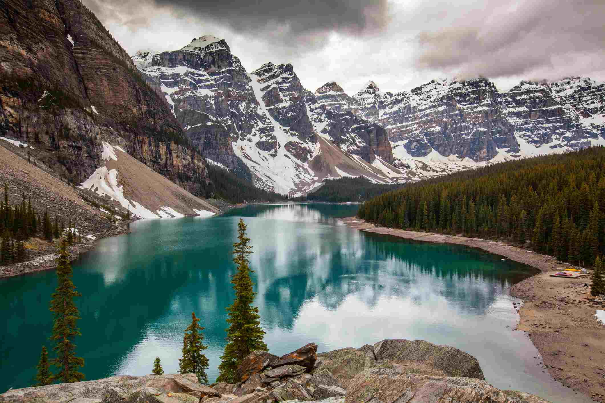Moraine Lake on cloudy day
