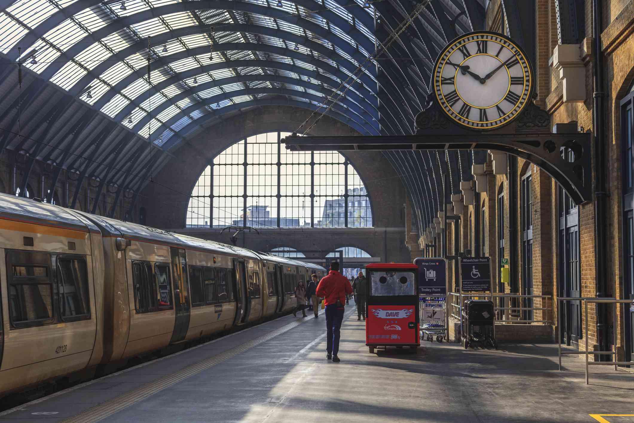 King's Cross Station, Platform 9 3/4 | Harry Potter