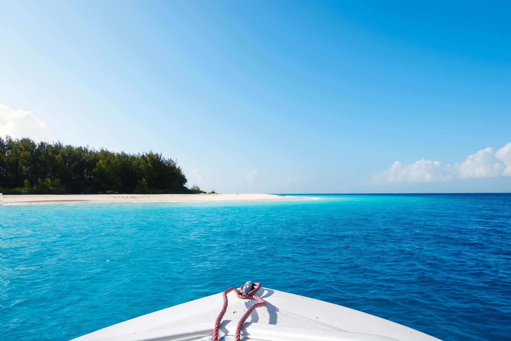 Boat sailing to Mnemba Island, off Zanzibar
