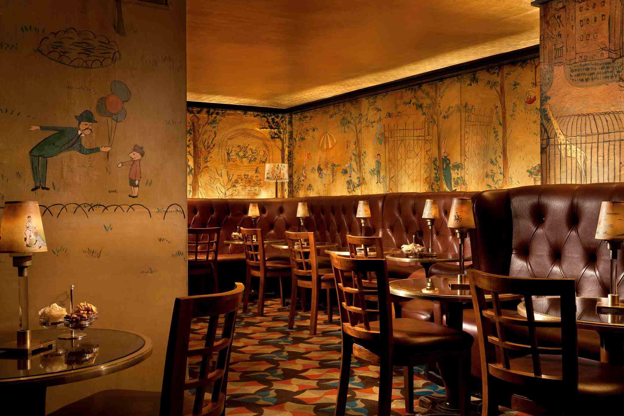 Bemelmans Bar interior