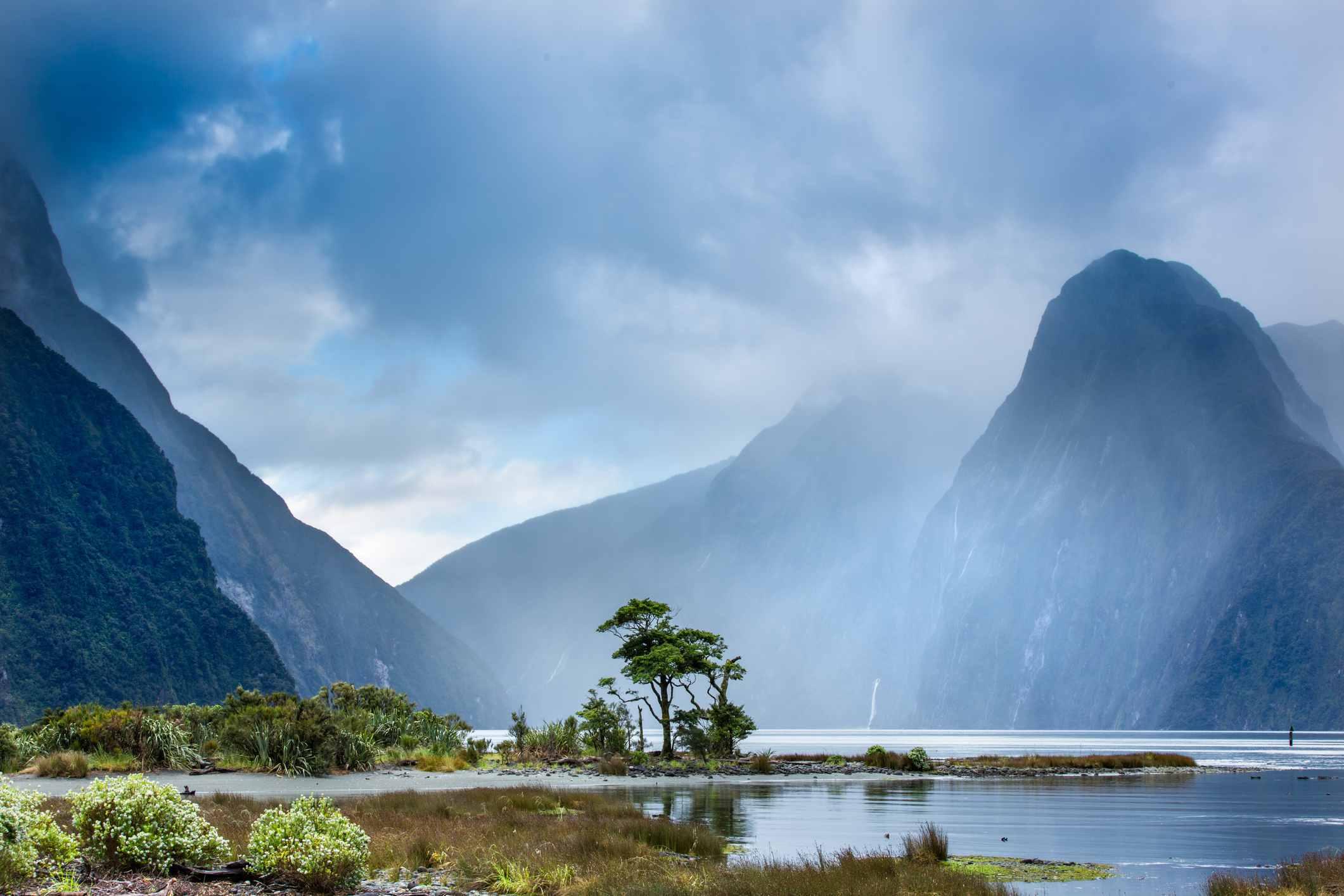 ilford Sound, Fiordland National Park, UNESCO World Heritage Site, Piopiotahi Marine Reserve, South Island, New Zealand, Pacific