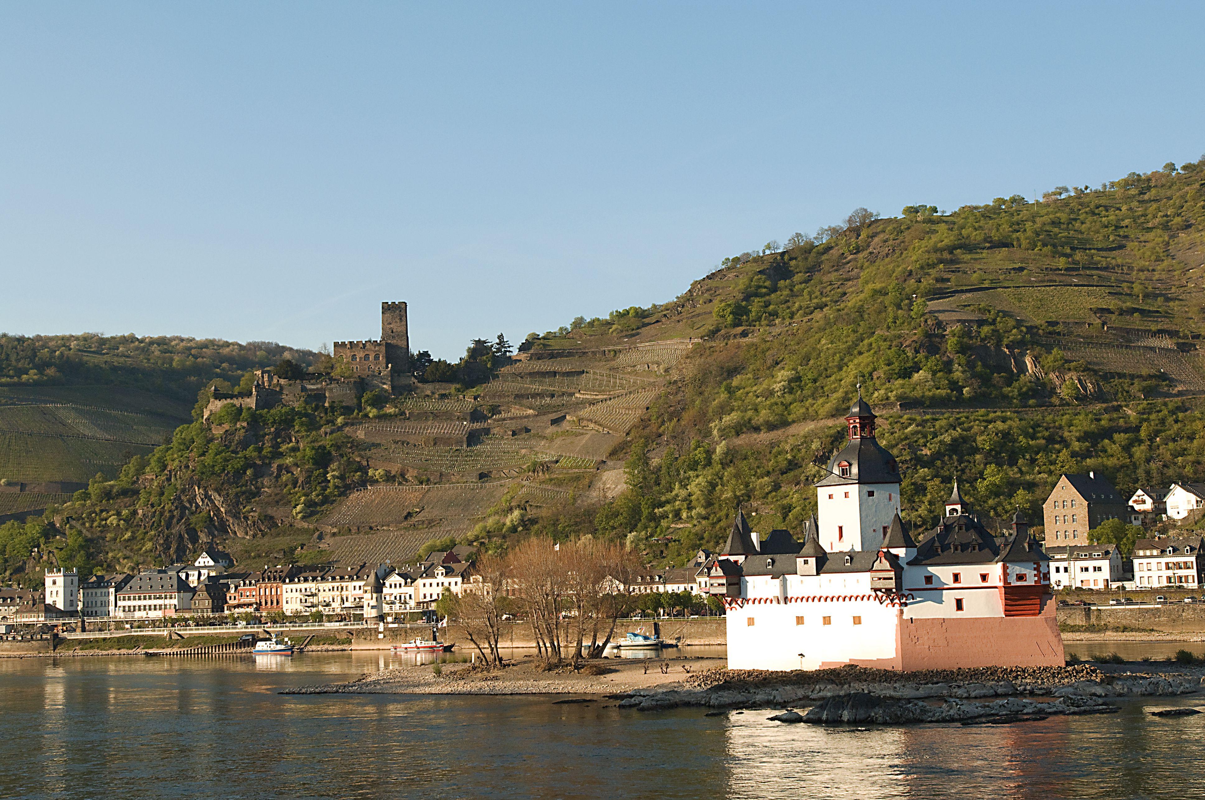 Burg Pfalzgrafenstein with Burg Gutenfels