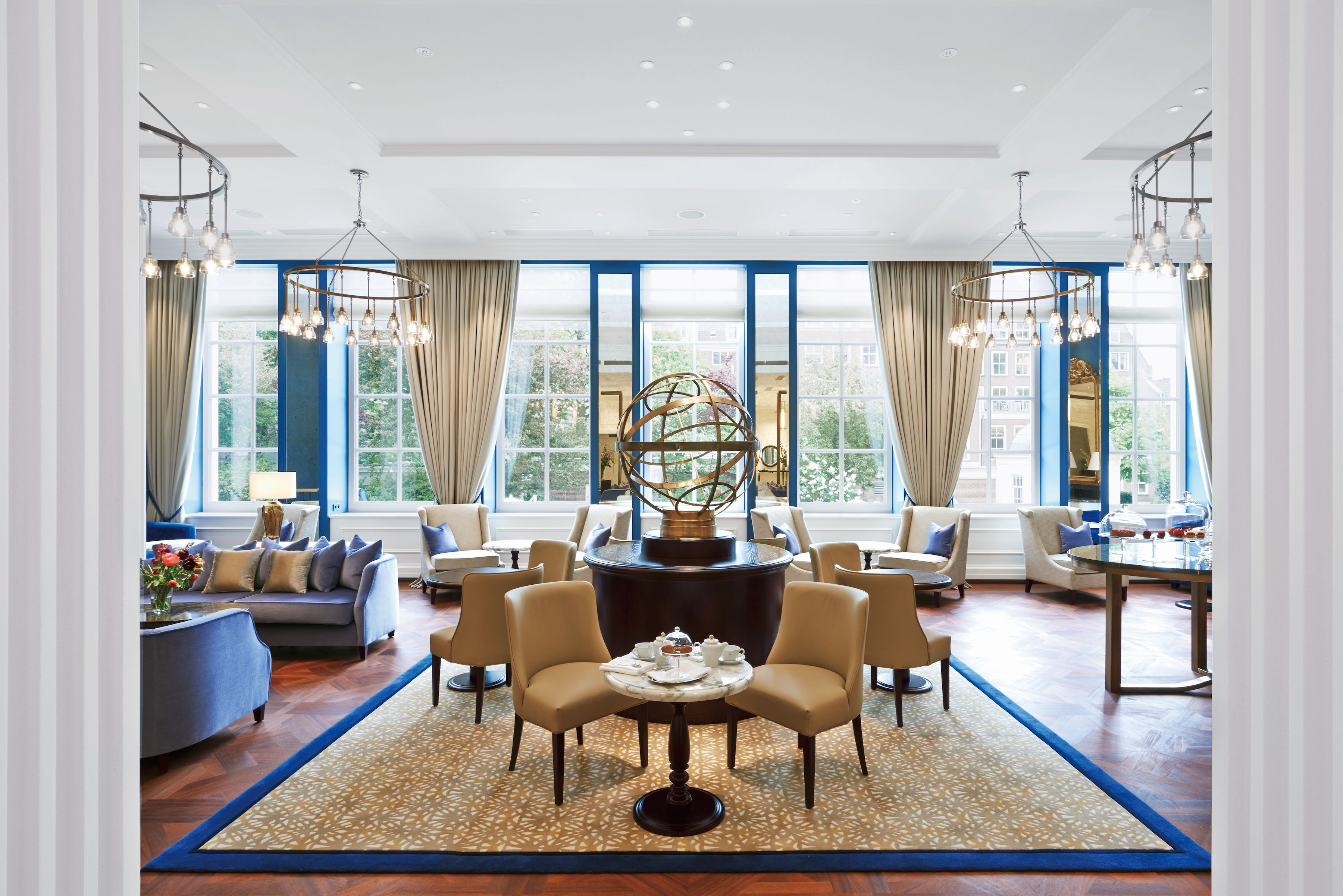 Callejón del pavo real en el Waldorf Astoria Amsterdam