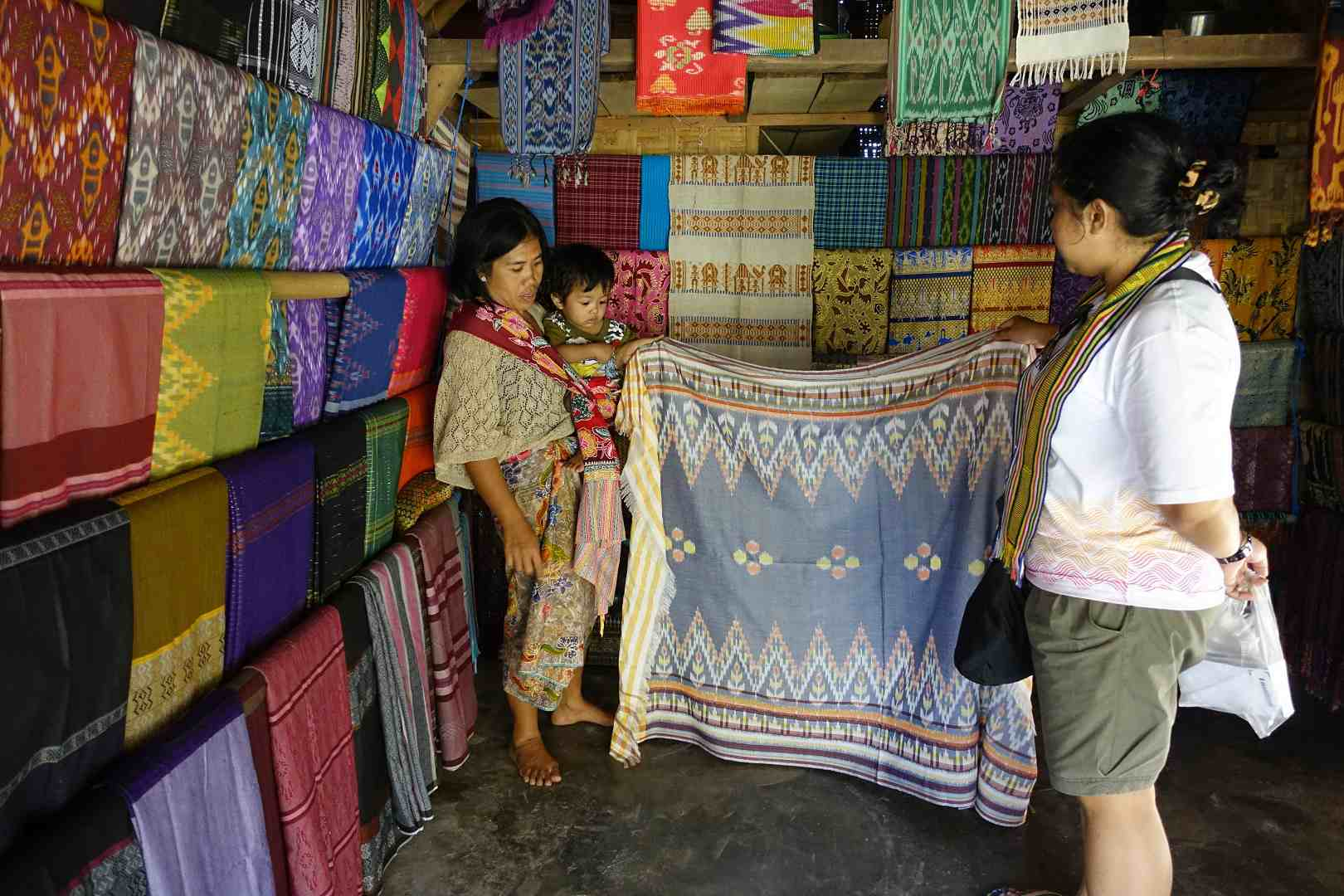 Haggling is encouraged when buying at Sasak Sade Village