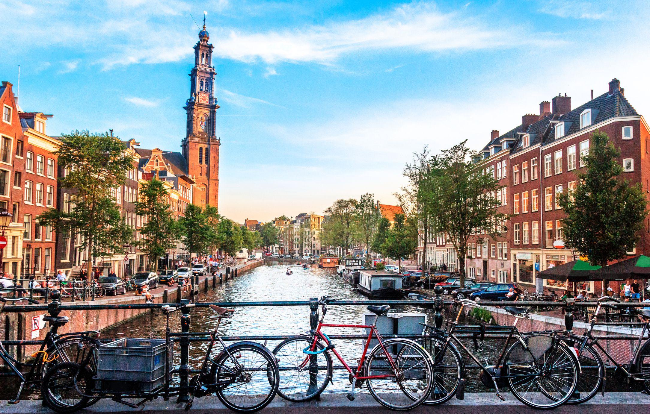 Em Amsterdam Zeitplan