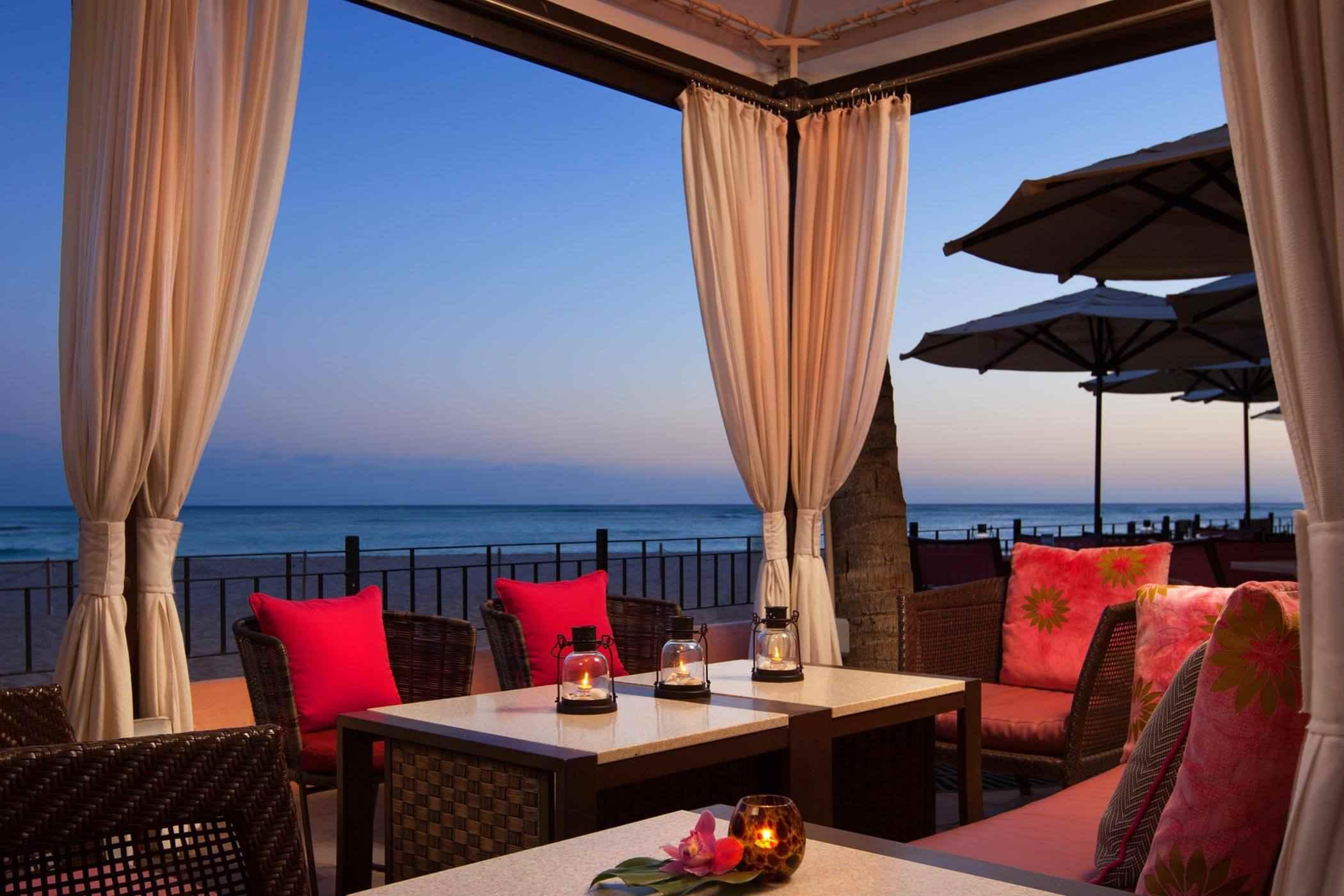 outdoor seating for mai tai