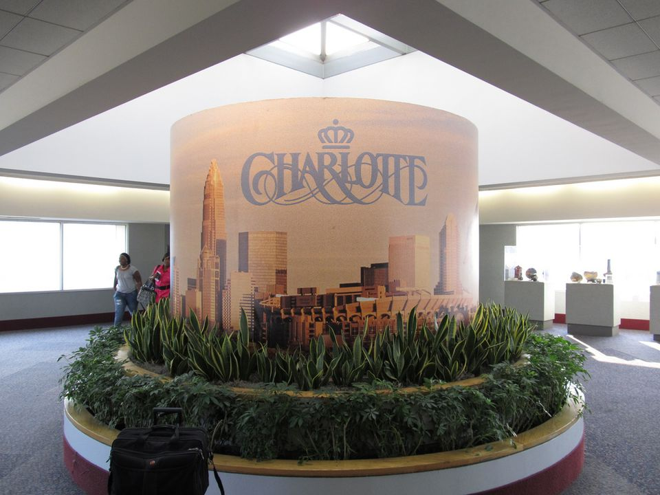 Welcome to Charlotte airport sign