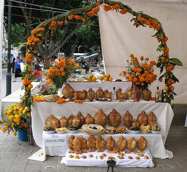 Day of the Dead Altar with Pan de Muerto