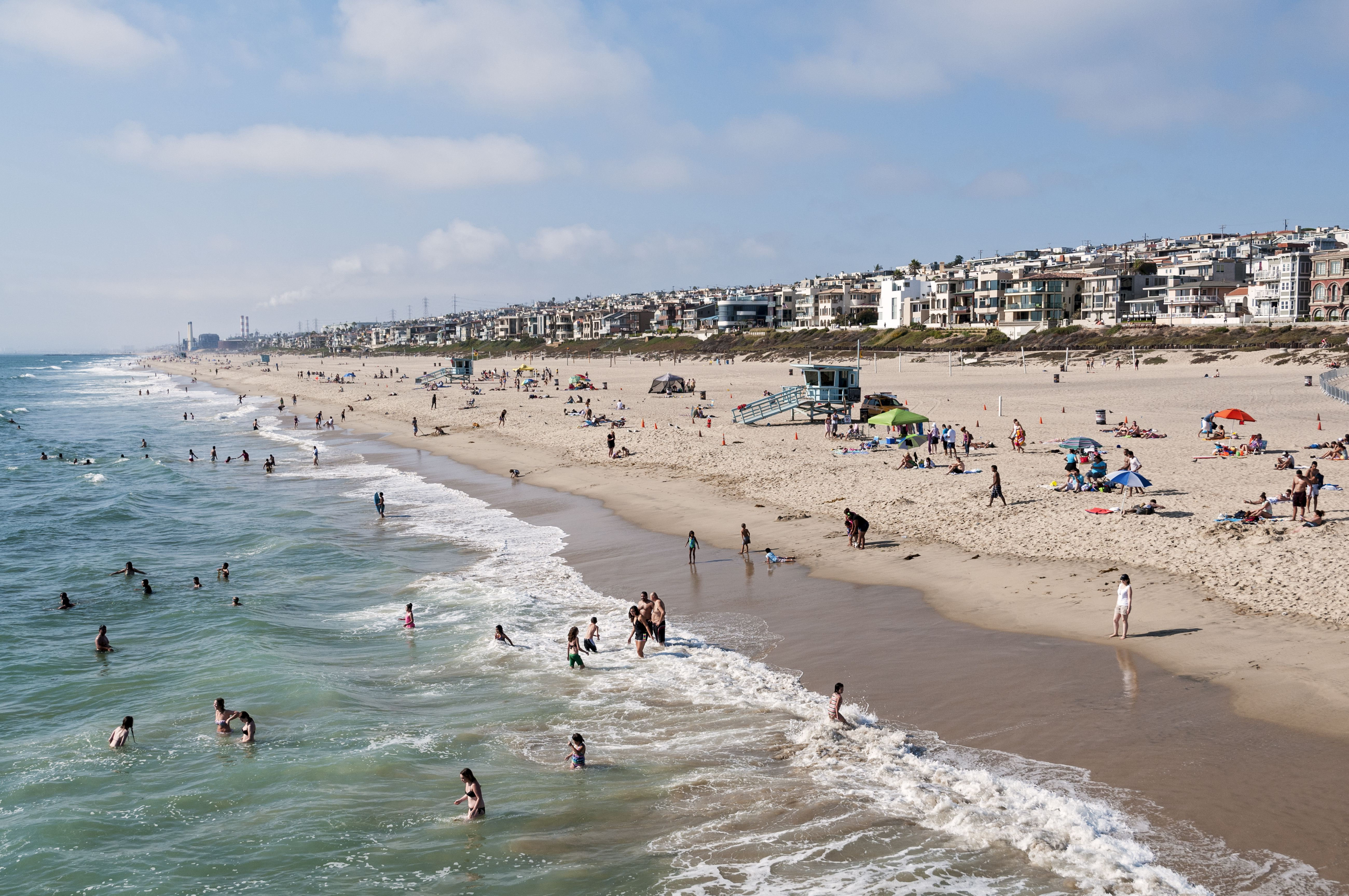 View north from Pier, Manhattan Beach California