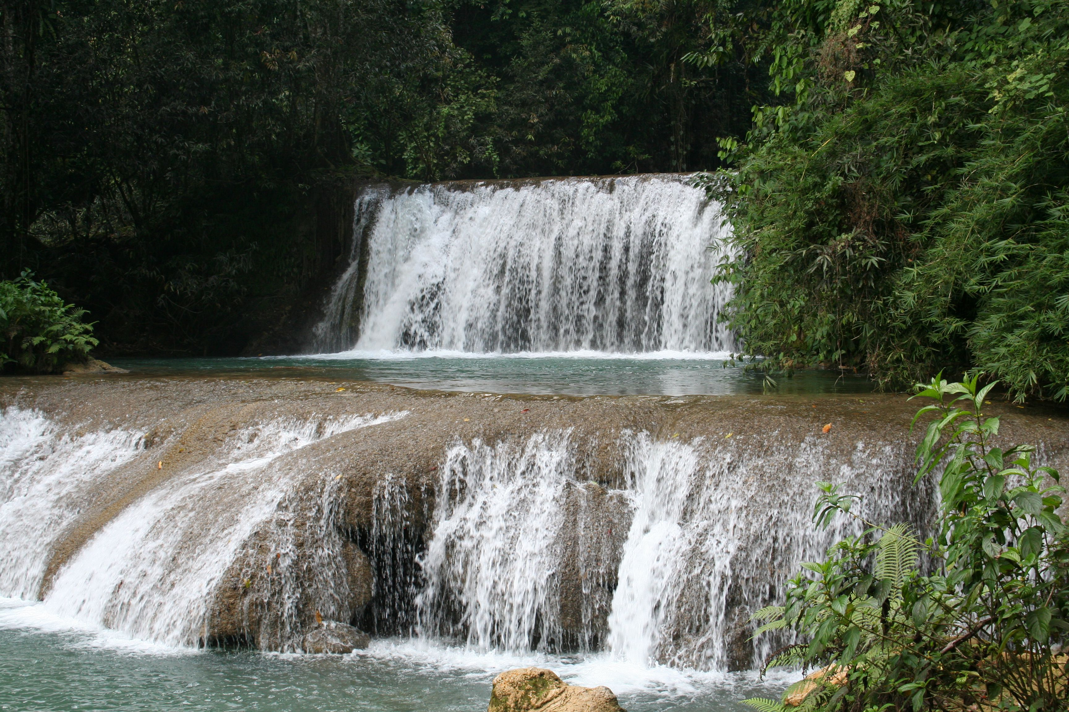YS River waterfall in Jamaica