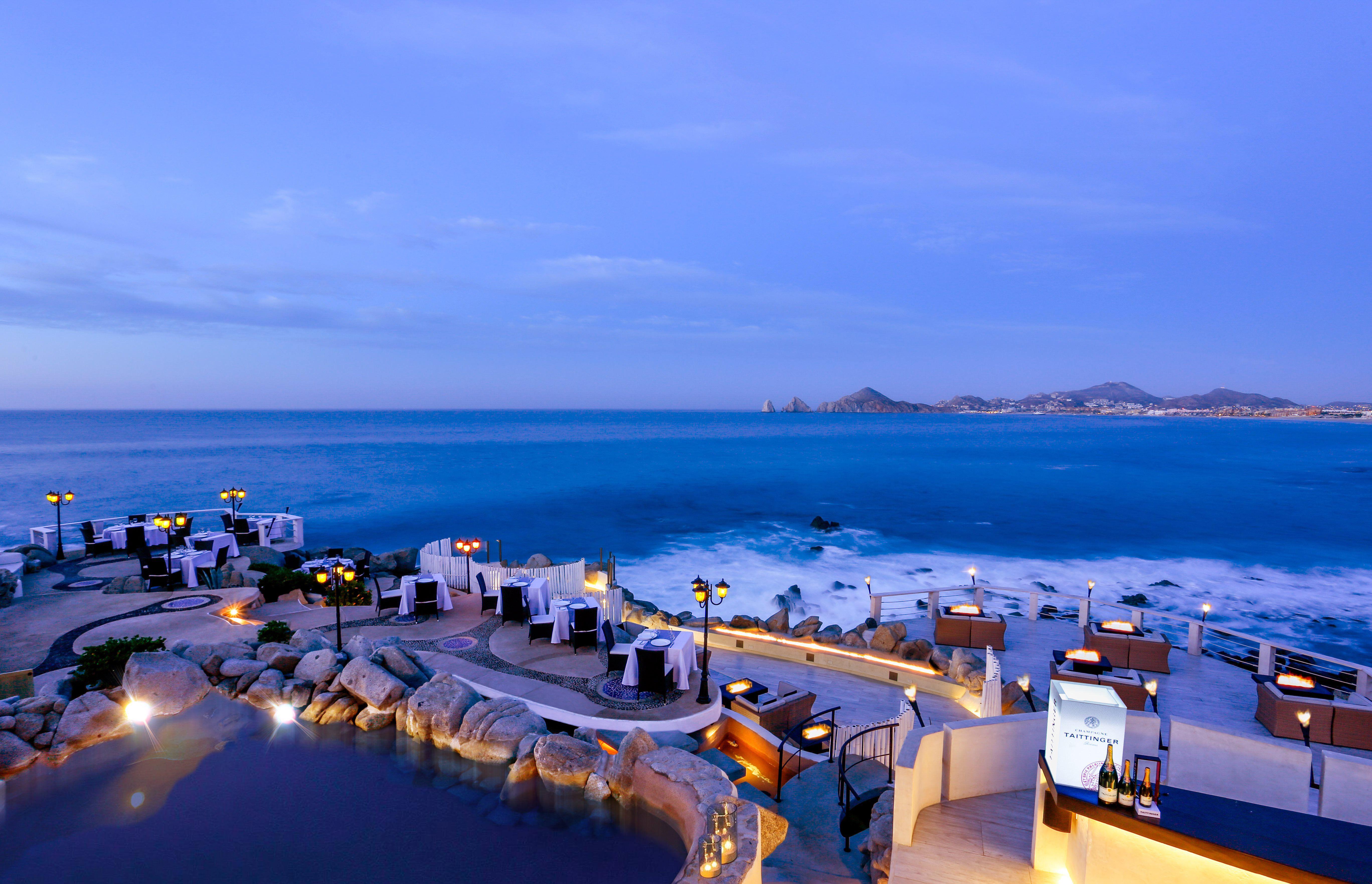 Terrace overlooking El Arco at Sunset da Mona Lisa, Cabo San Lucas