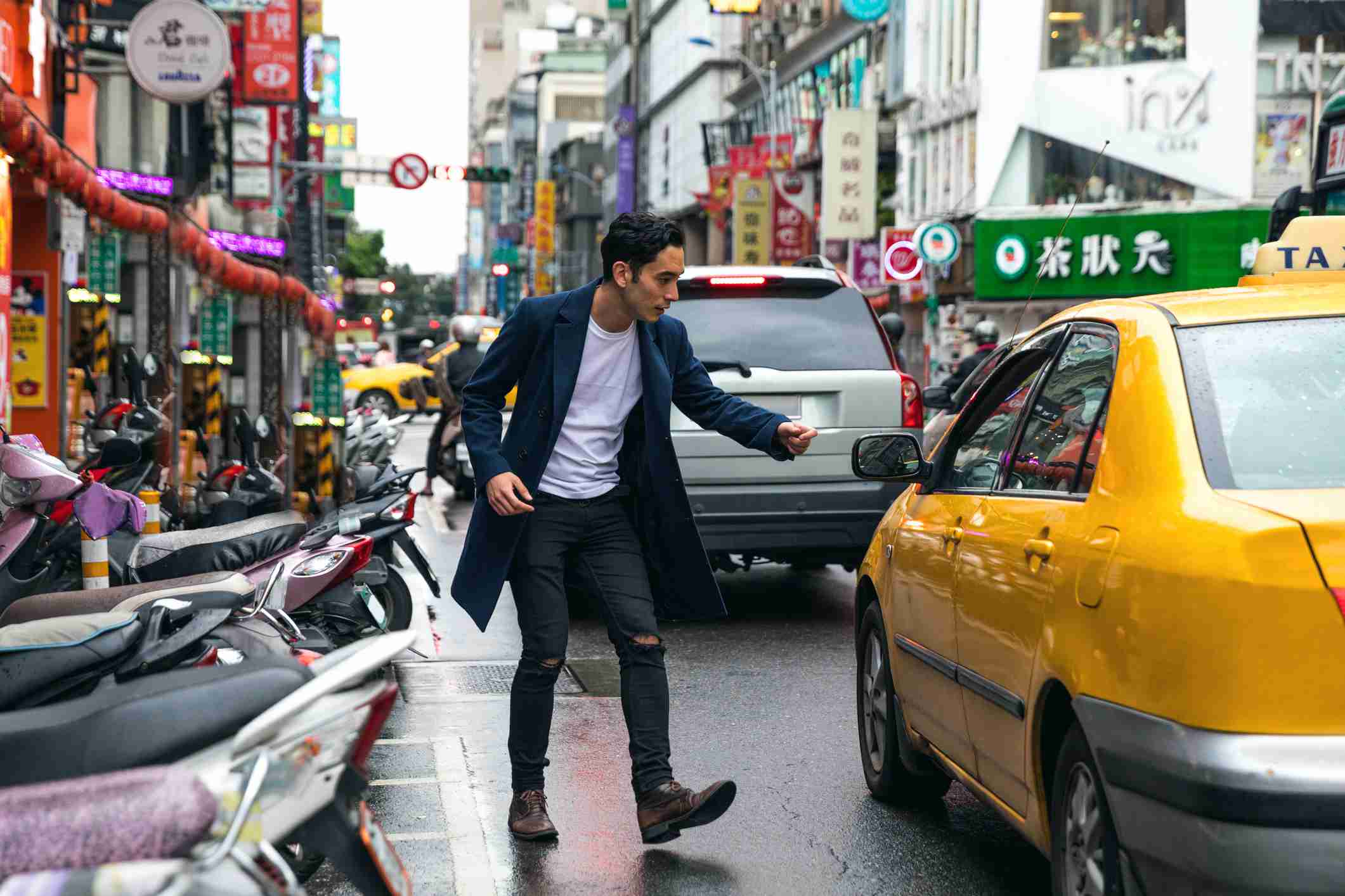 do you tip cab drivers in china