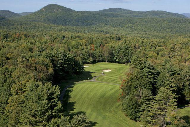 Fotografía del campo de golf The Sagamore Resort en Bolton Landing, Nueva York