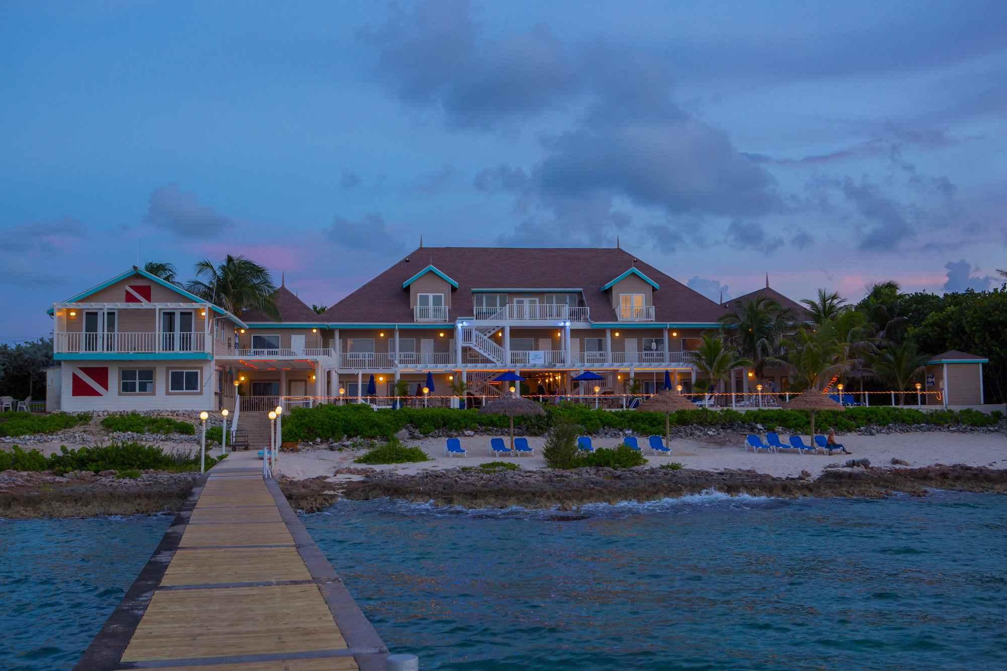 Cobalt Coast Grand Cayman Resort