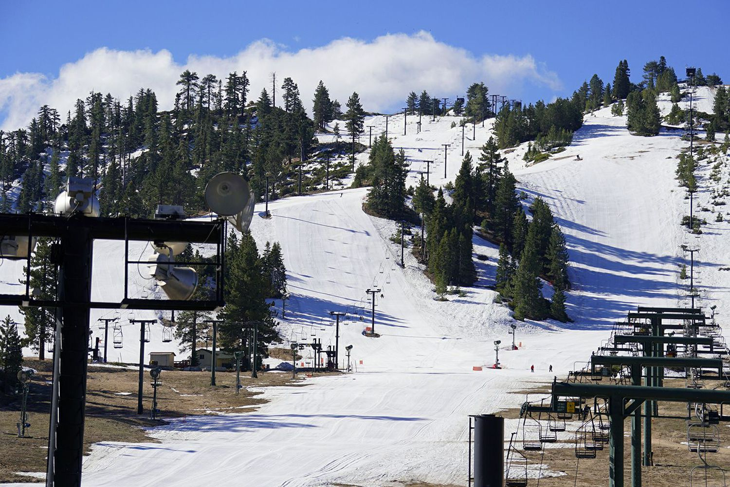 skiing and snowboarding in southern california