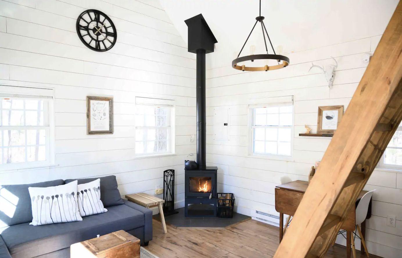 Modern Seven-Sleeper Cabin Near Big Island