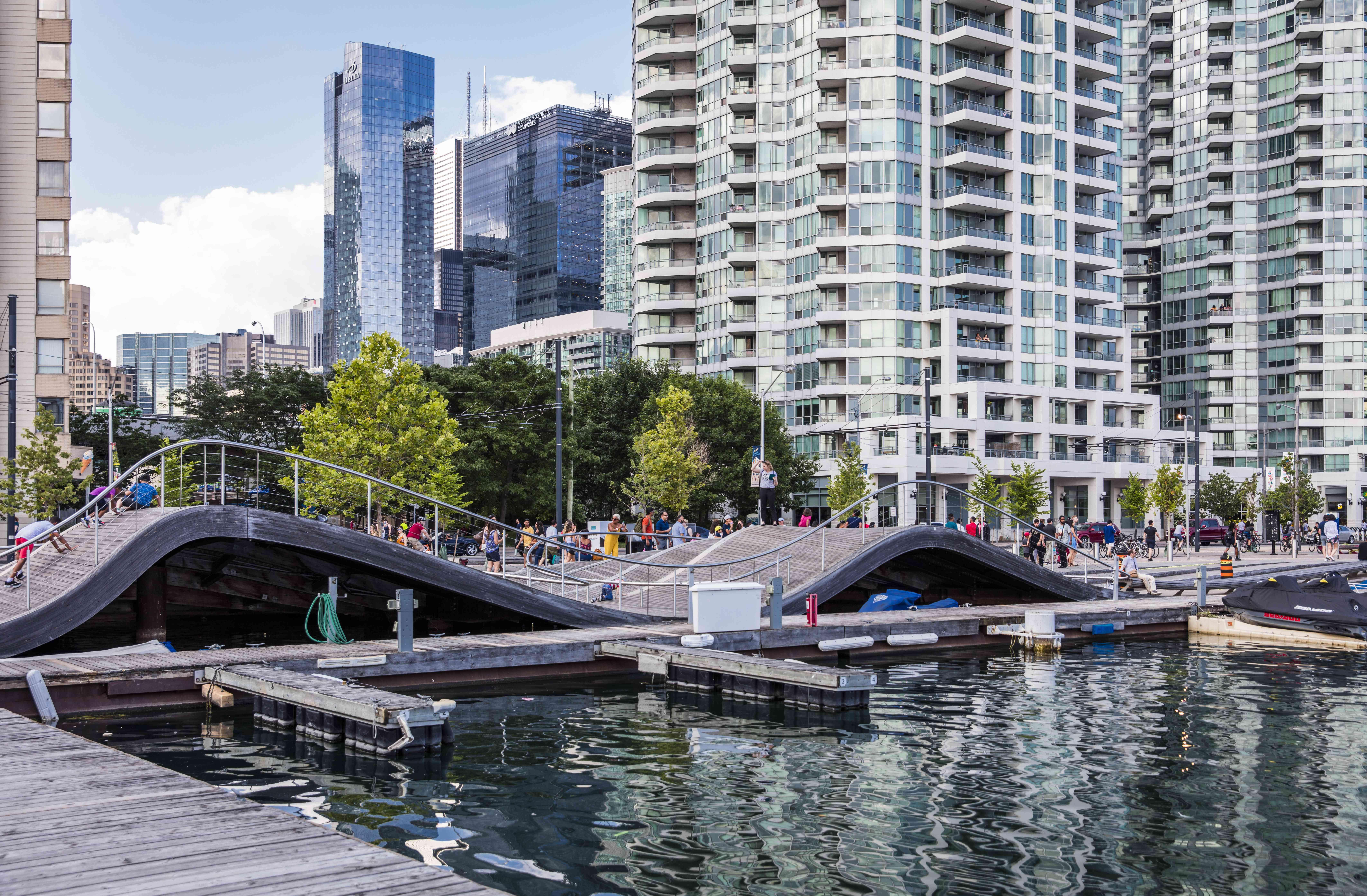 Simecoe Wave Deck in Toronto