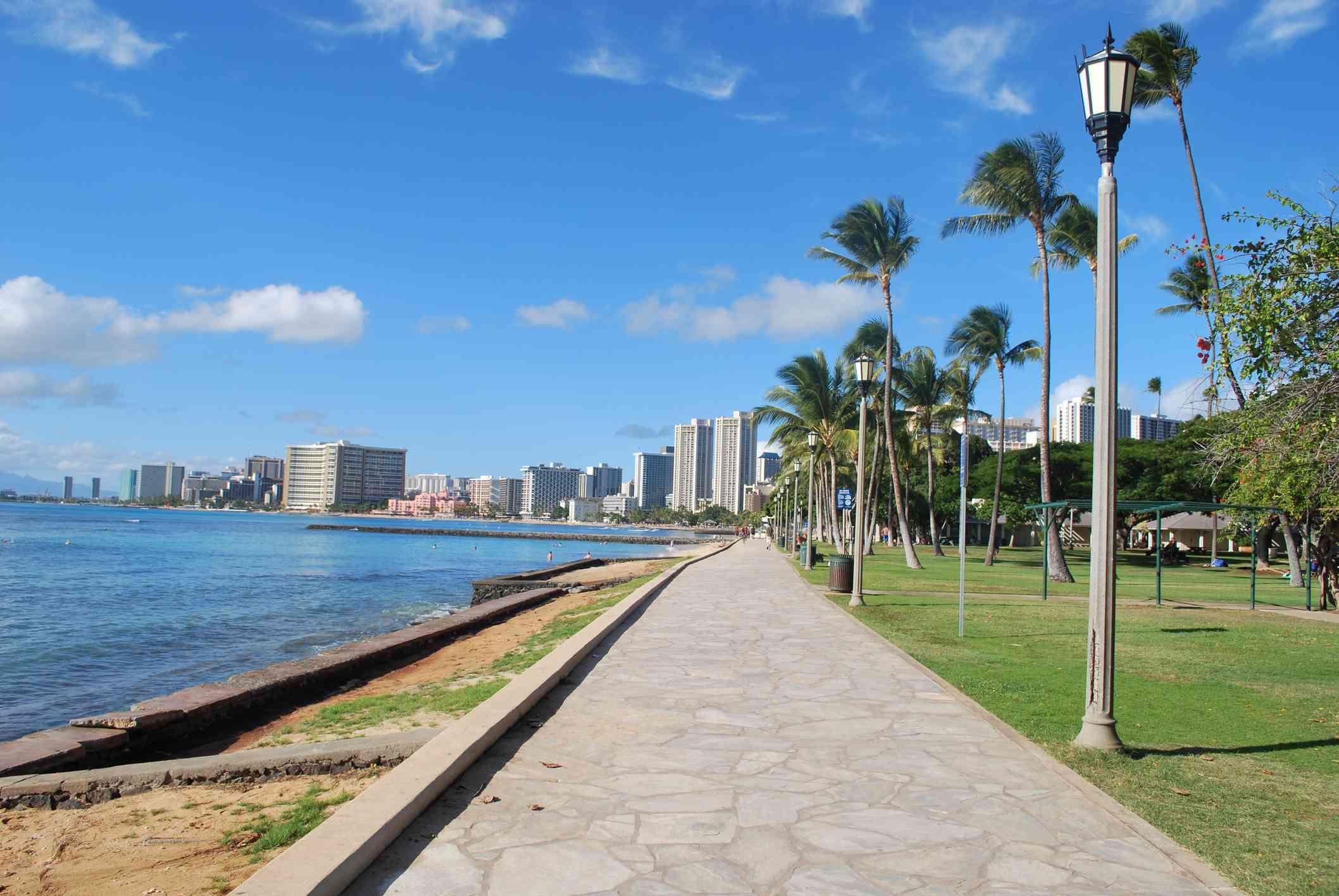 Queen Kapiolani Park in Oahu, Hawaii
