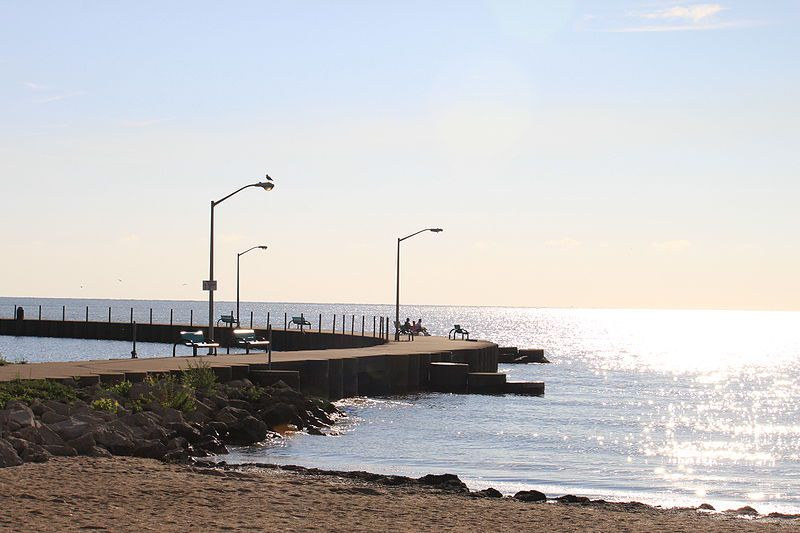 Luna Pier Beach