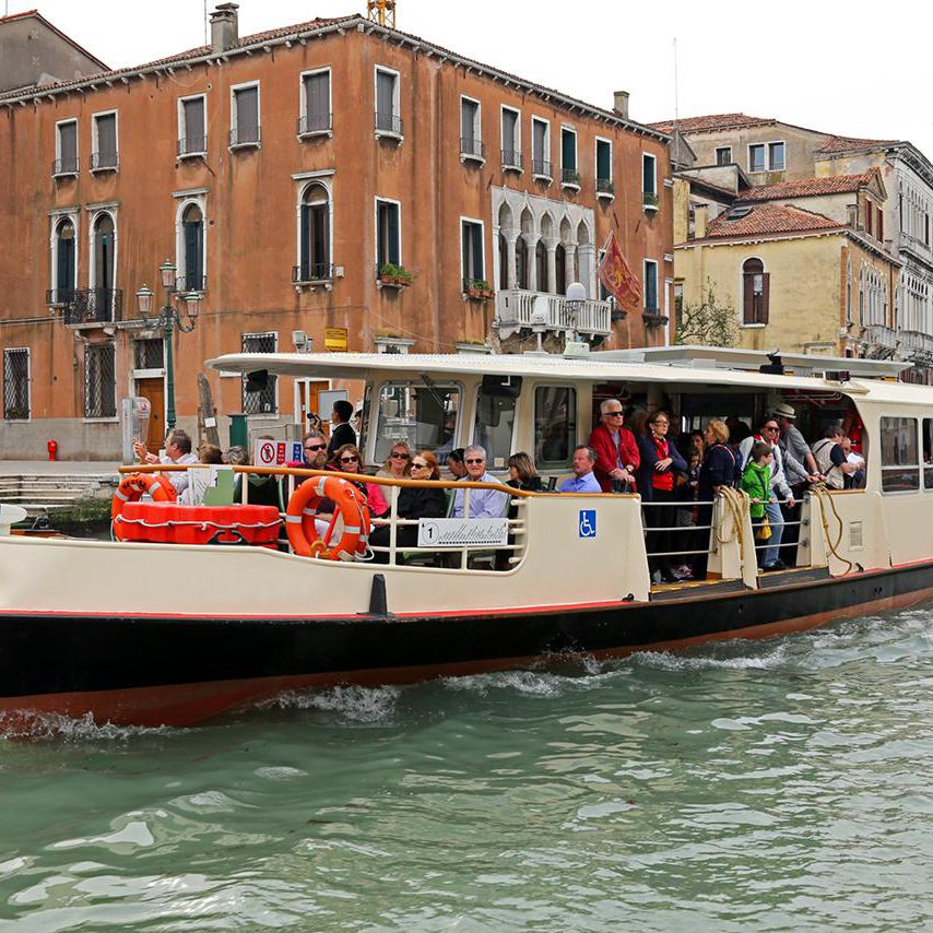 How to Use Venice's Vaporetto Transportation System