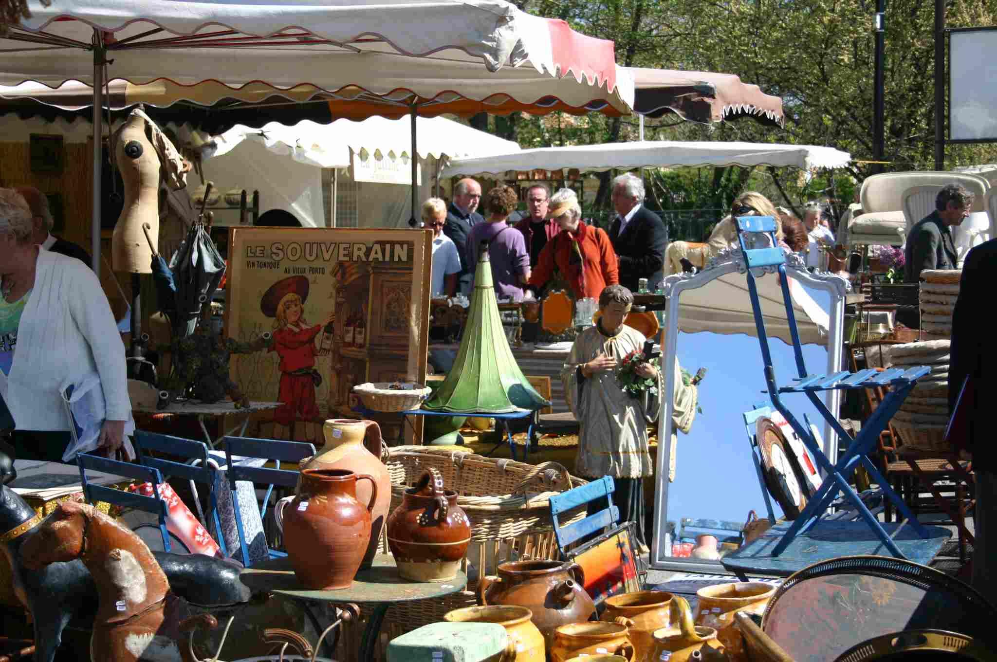 Antiques Fair in Isle-sur-la-Sorgue