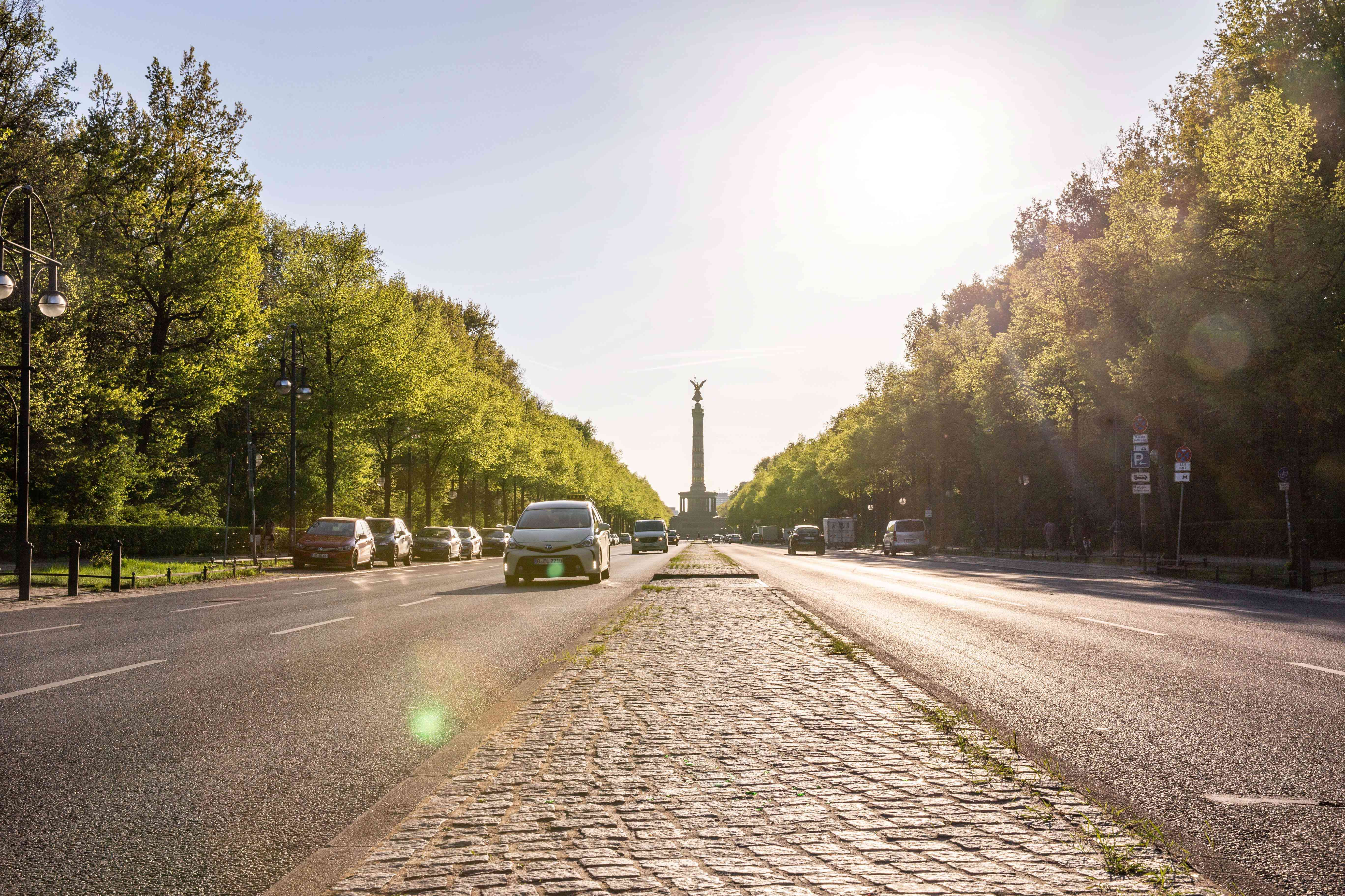 The road leading up to the Victory Column