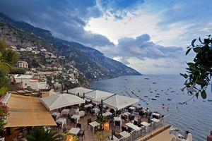 Restaurant overlooking the sea at Positano