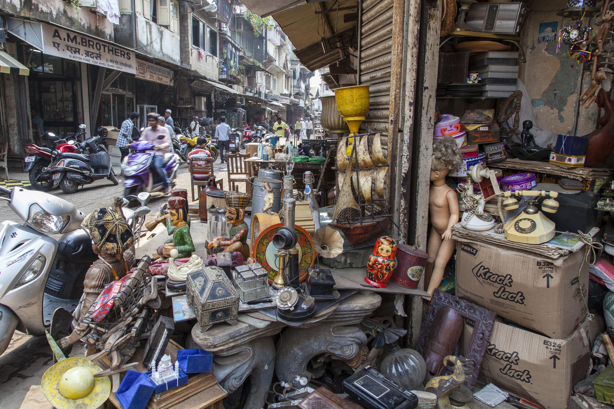 settings Bric-a-brac shop in Mutton Street, Chor Bazaar