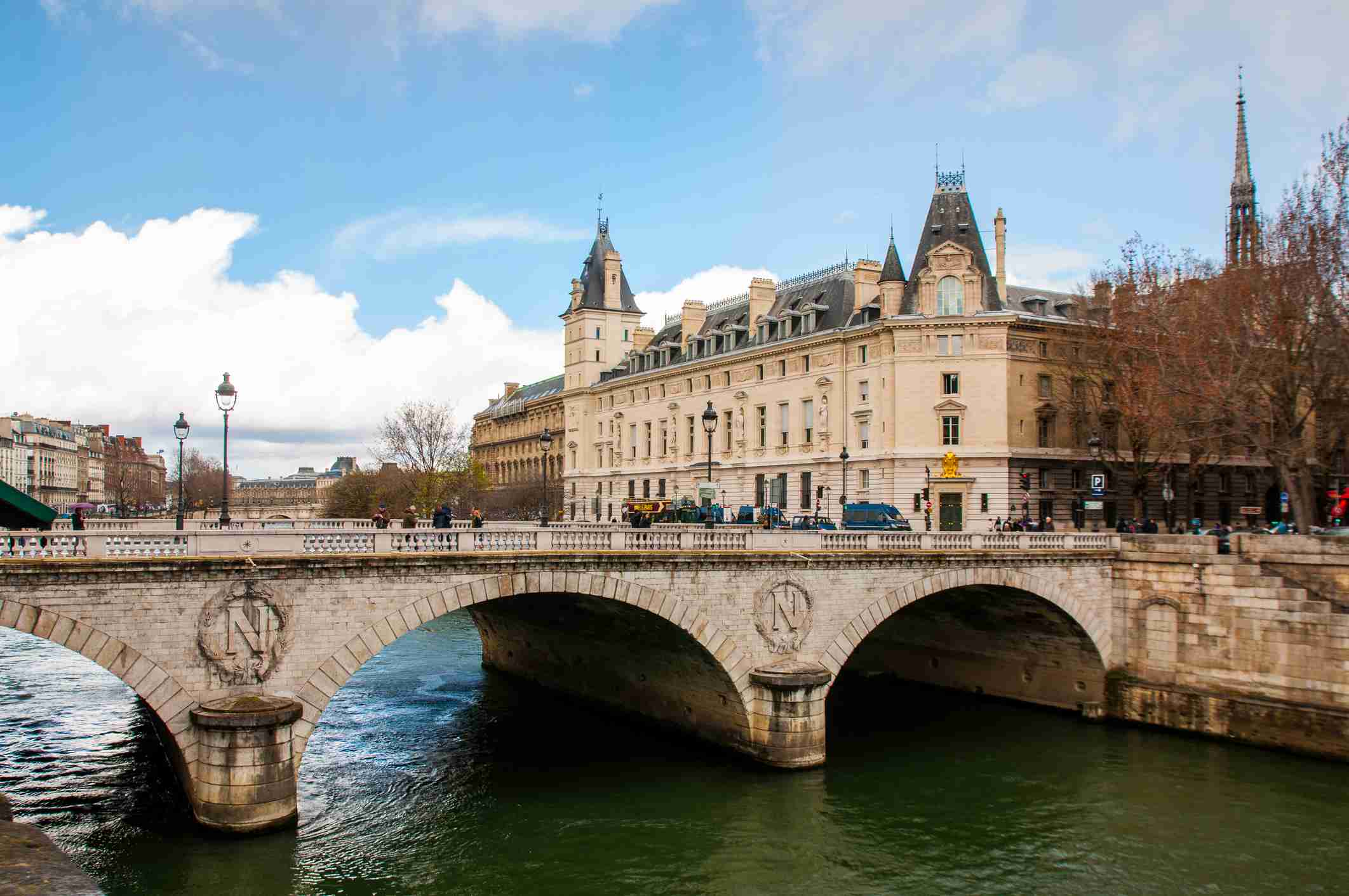 The 10 Most Beautiful Bridges in Paris