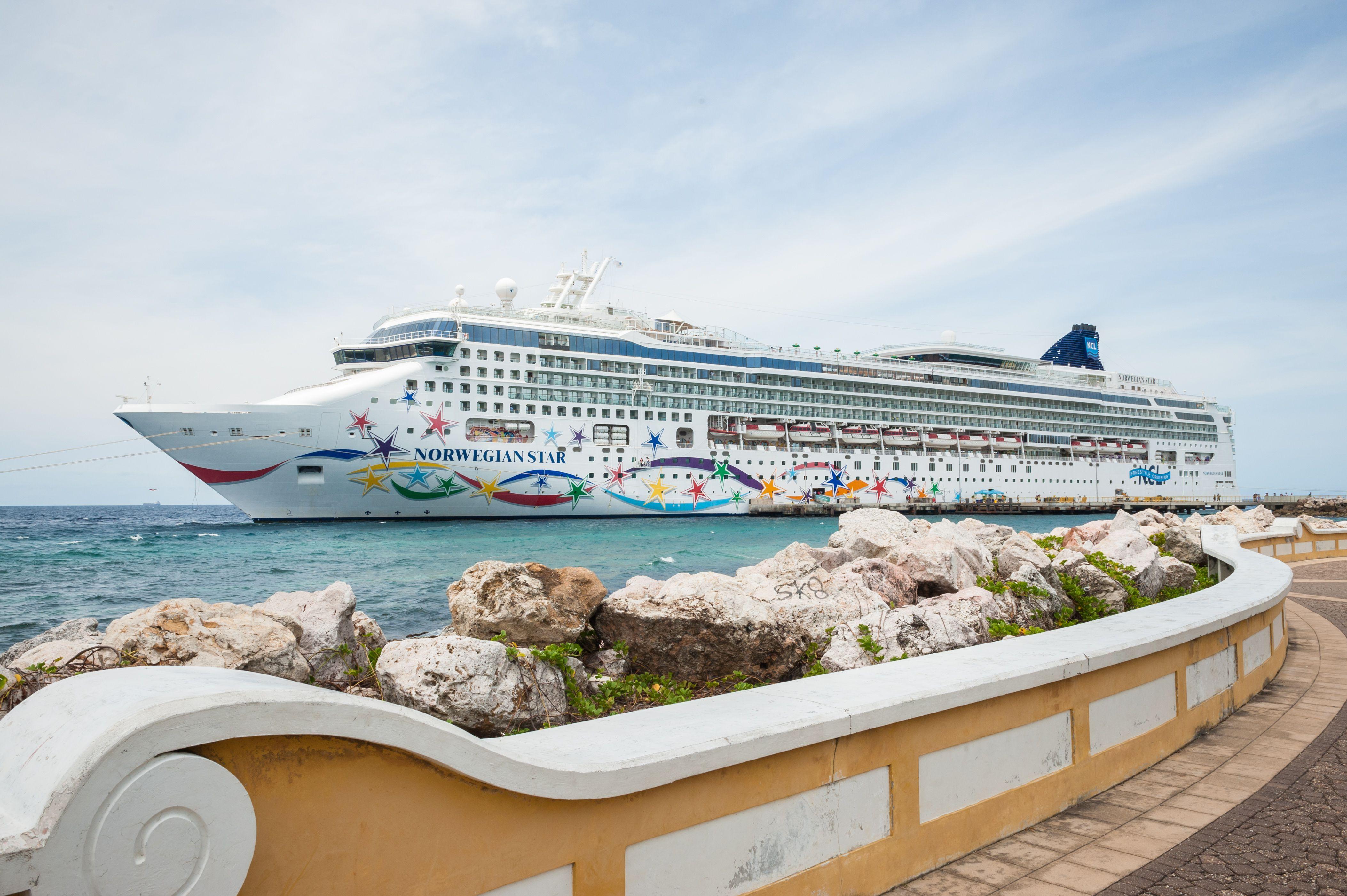 Cruise ship in Curacao