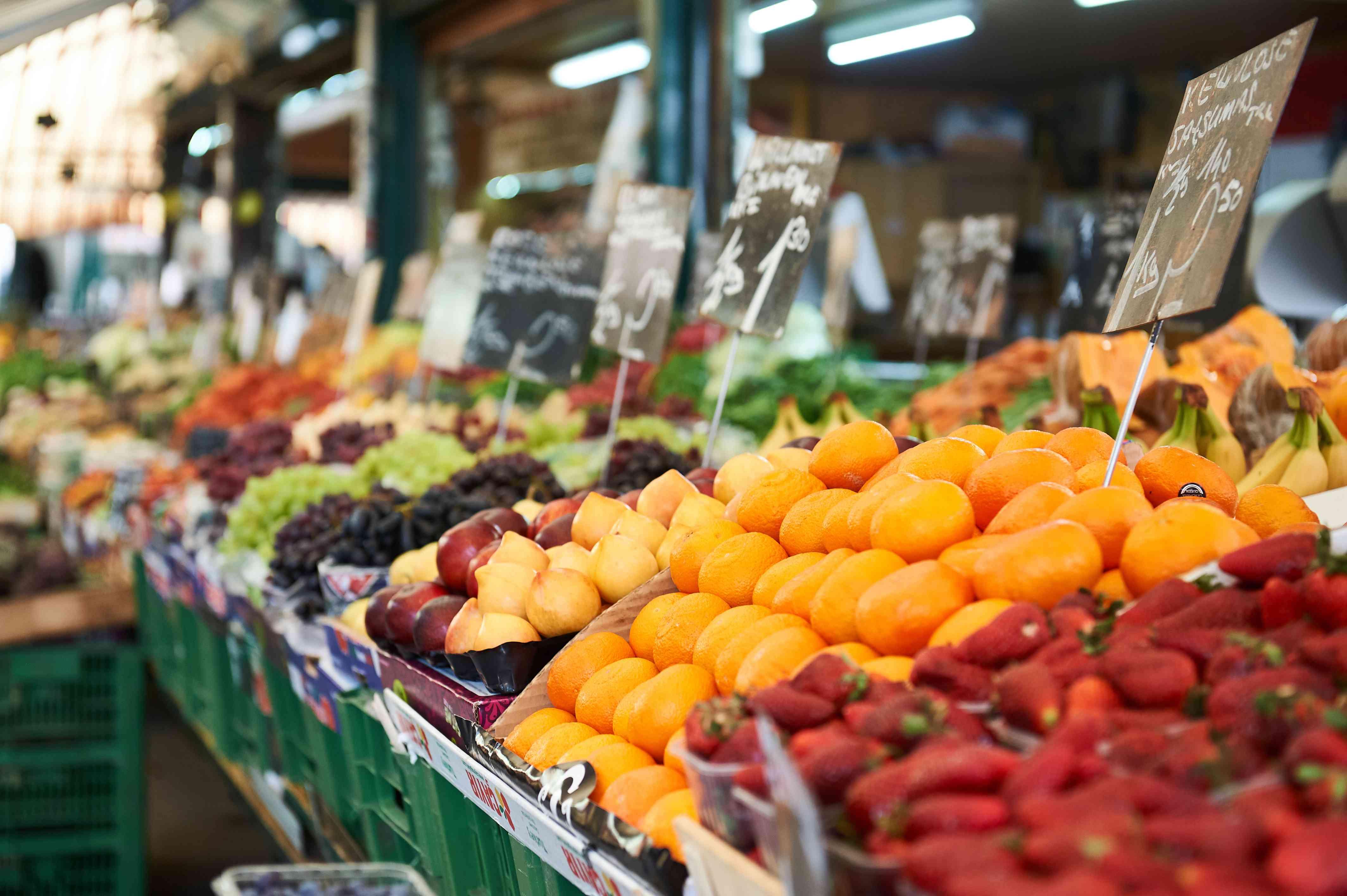 Fruit stands in Naschmarkt