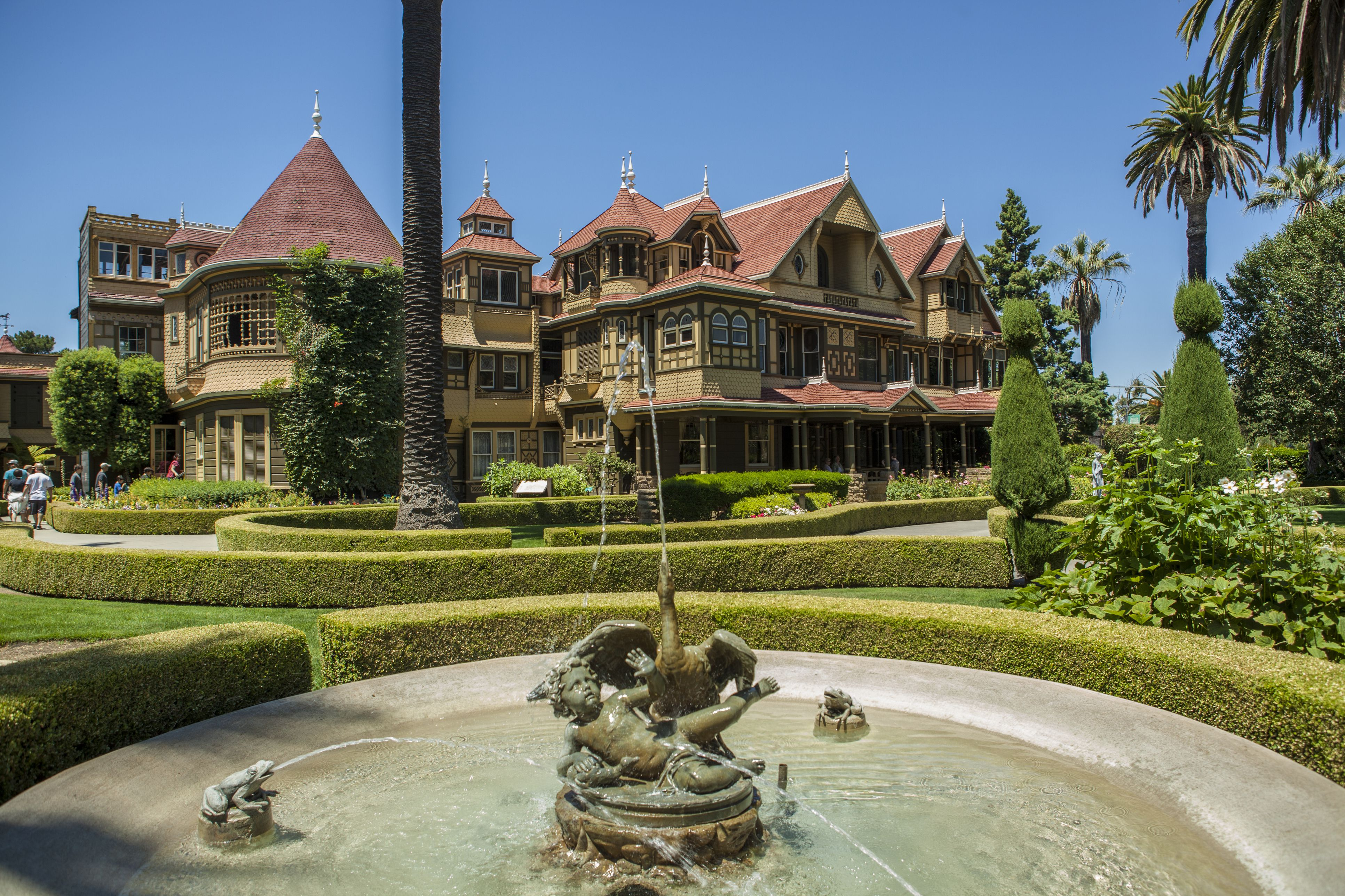 winchester mystery house: pictures - history - tour tips