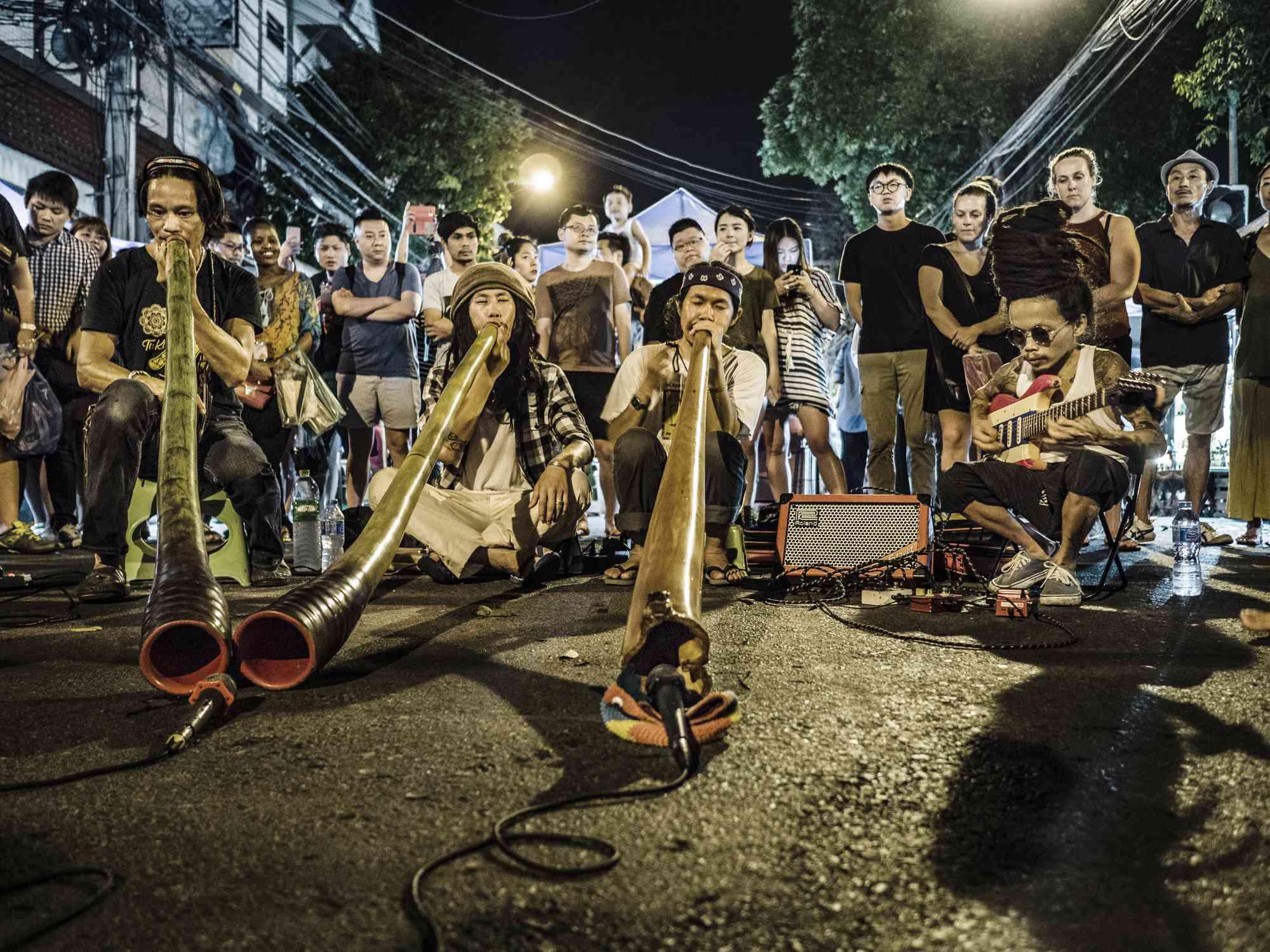 Didgeridoo players at Chiang Mai night market