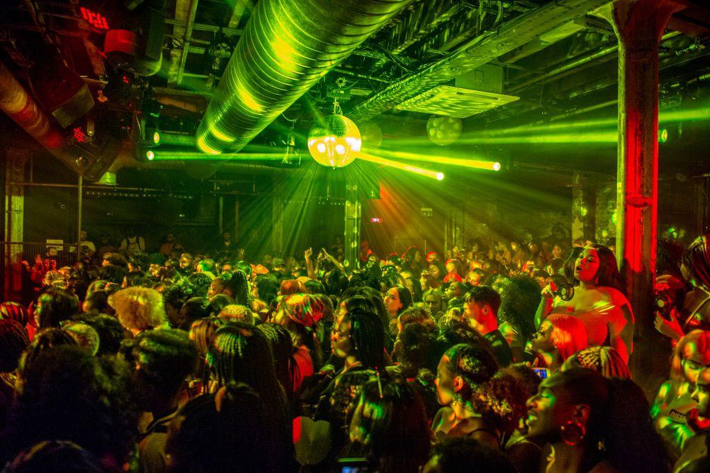 Nightlife in London: Best Bars, Clubs, & More