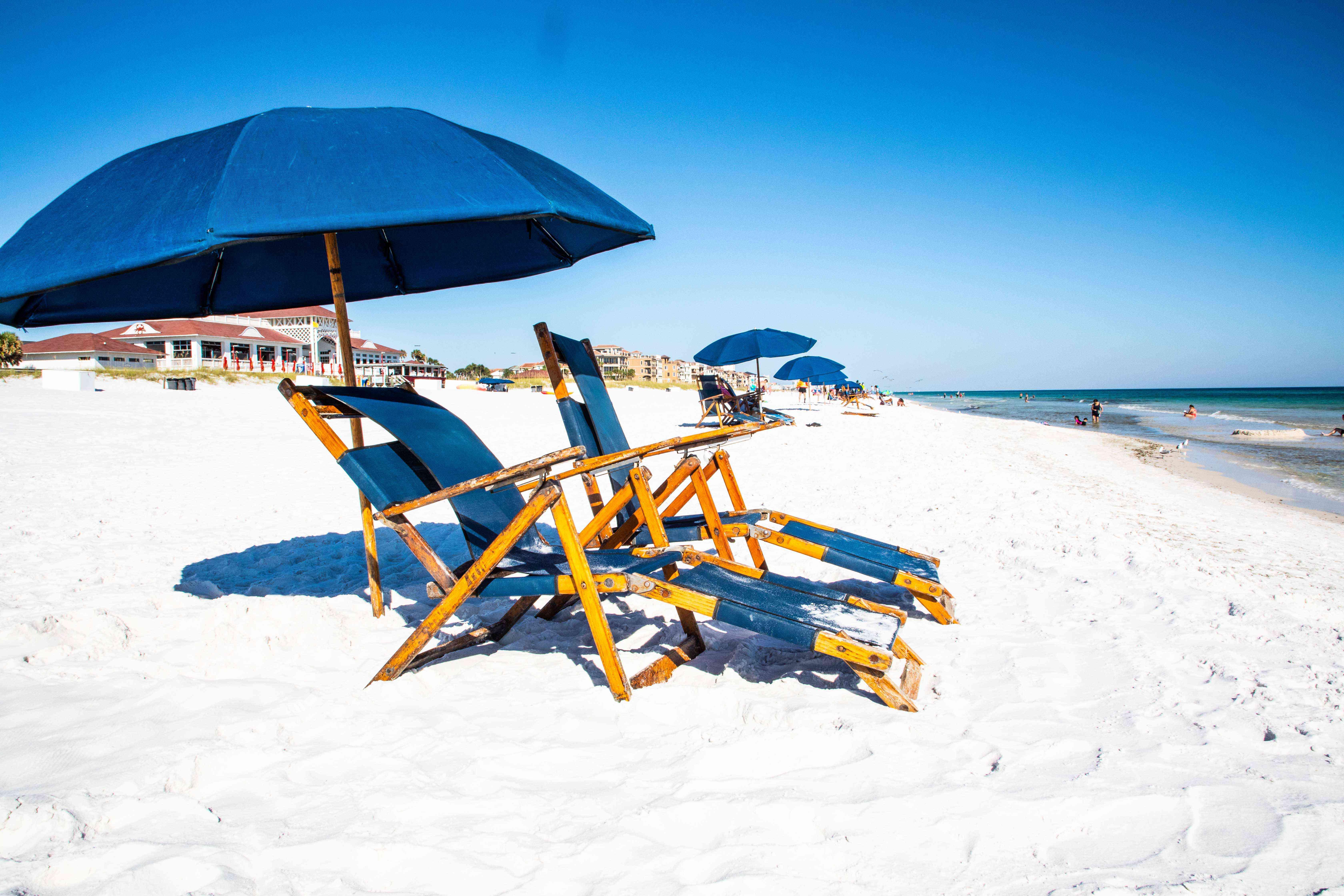 Sillones en la playa