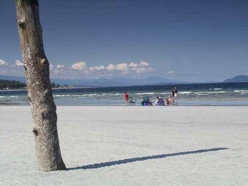 best beaches near vancouver: qualicum beach