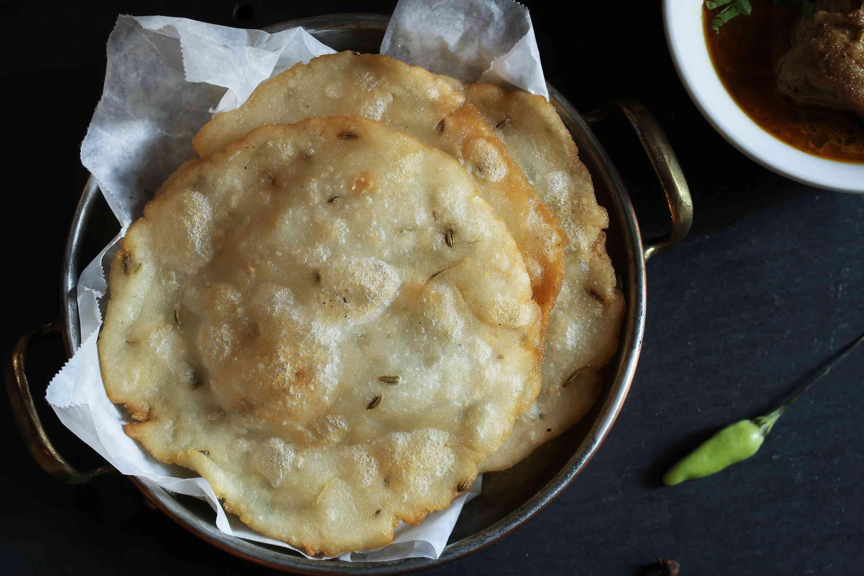 Ney PaRamadan food—deep fried Rice Roti
