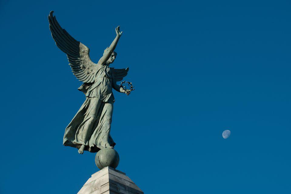 George-Étienne Cartier angel statue monument.