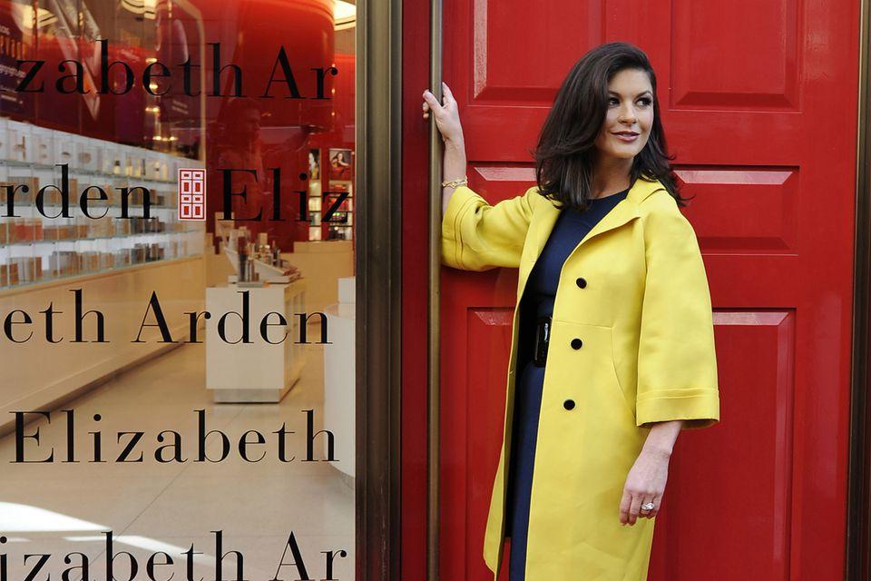 Fashion Nail Beauty Spa Elizabeth Nj: Shopping On New York's Famous 5th Avenue