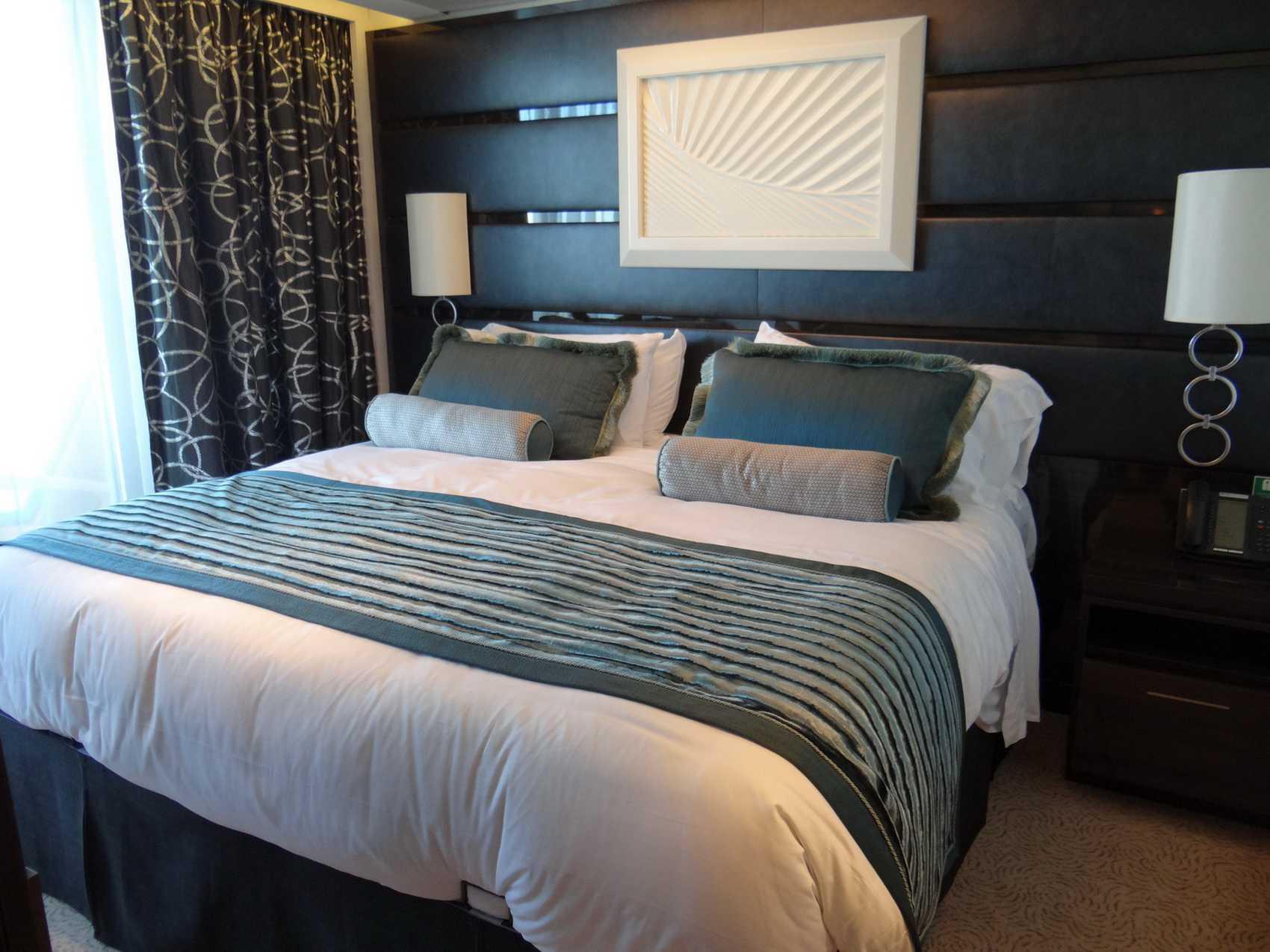 The Haven Owner's Suite Bedroom on the Norwegian Getaway